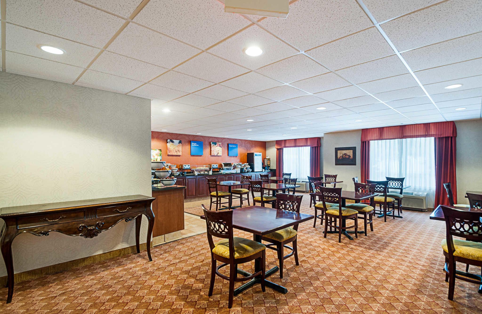 Comfort Inn & Suites Cambridge image 27