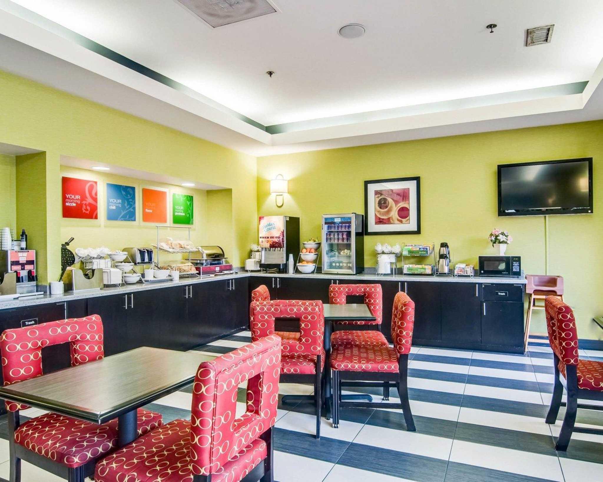 Comfort Suites Inn at Ridgewood Farm image 19