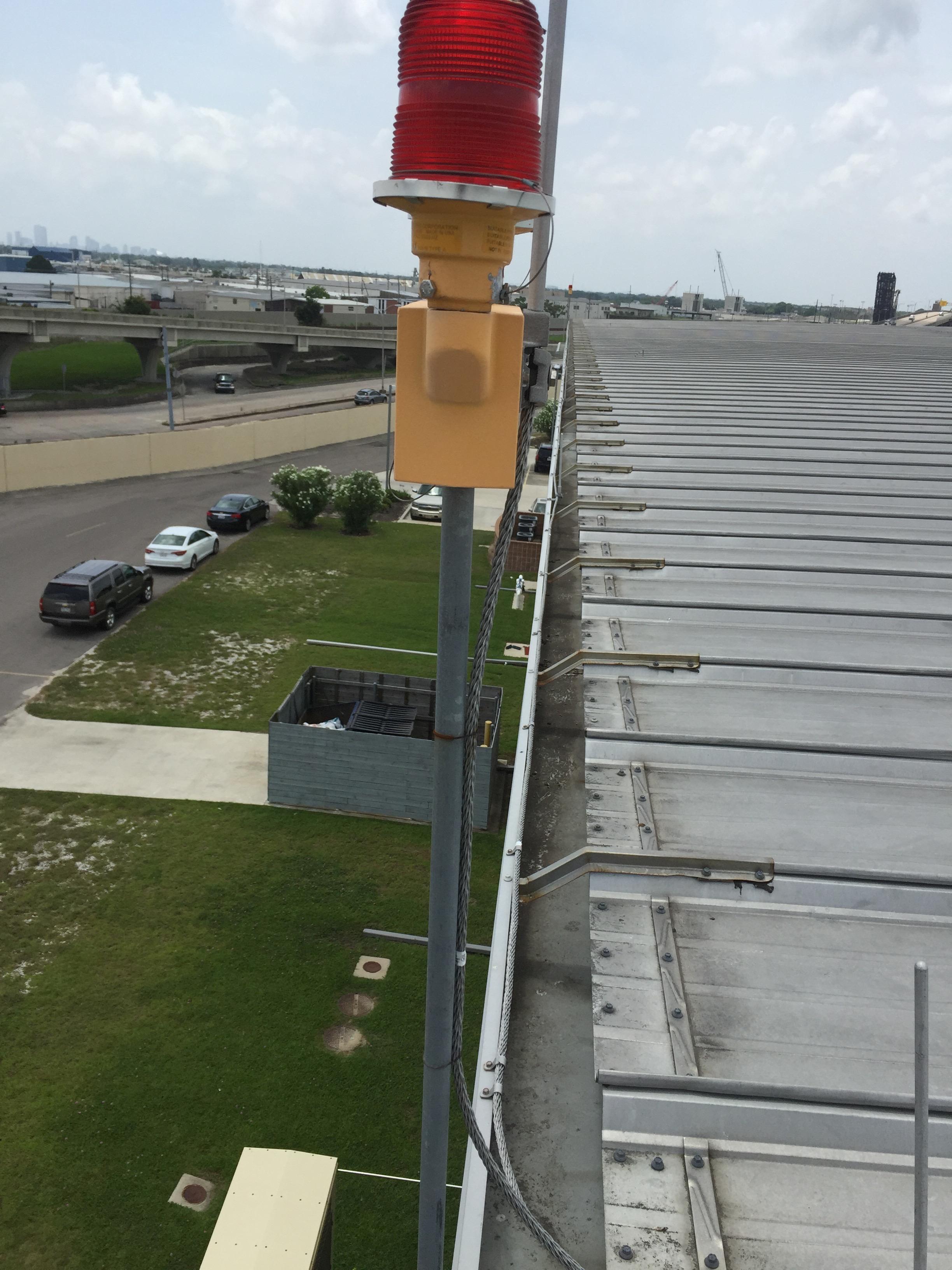 Rooftop warning lights
