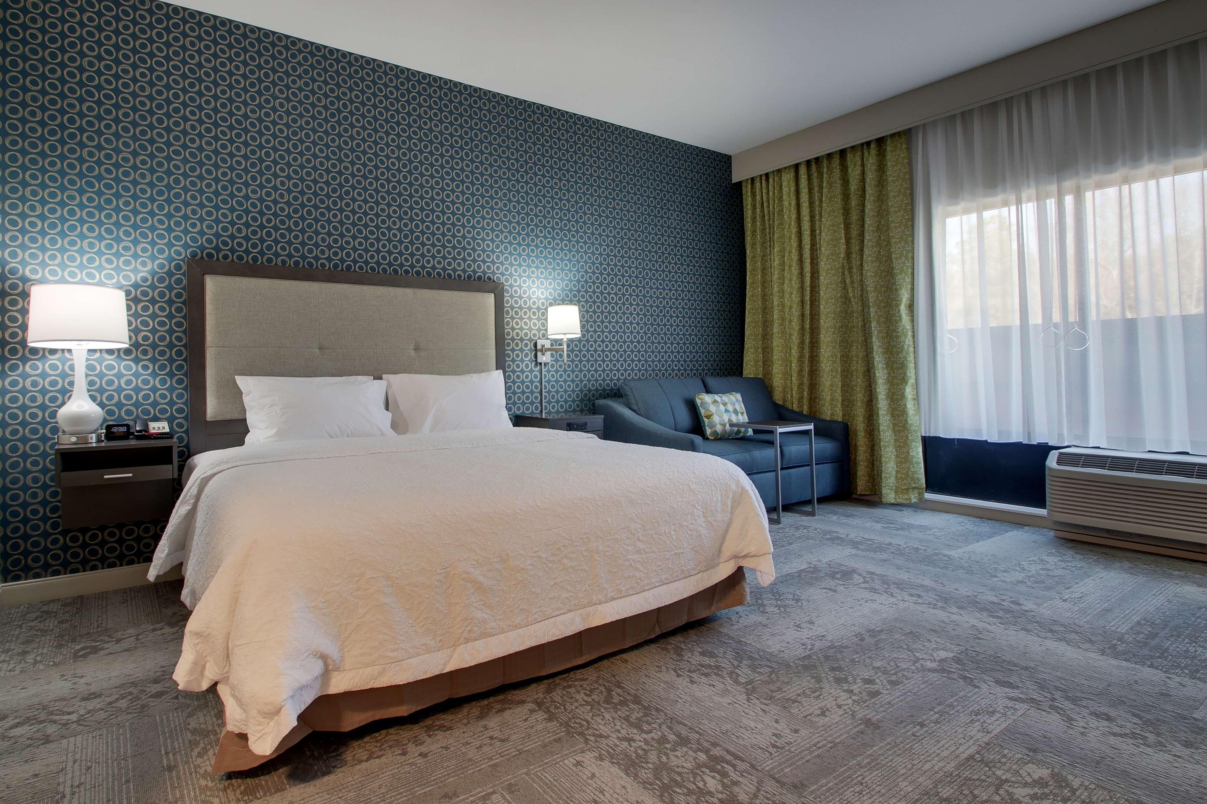 Hampton Inn & Suites Knightdale Raleigh image 23