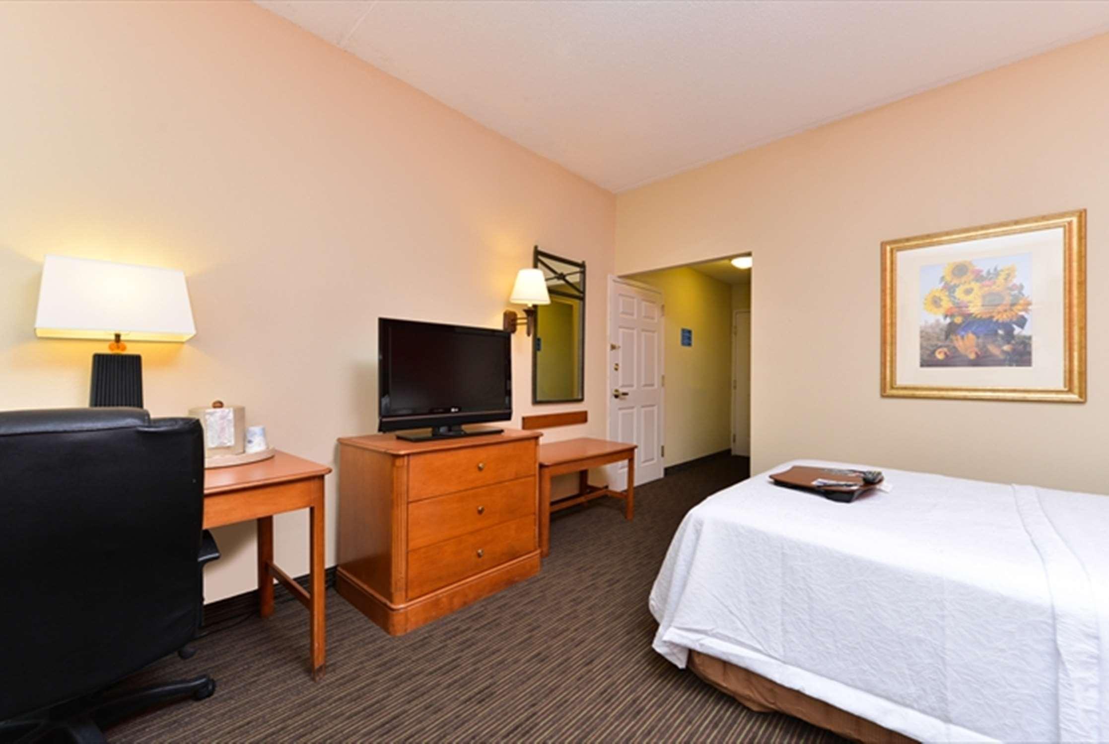 Hampton Inn Philadelphia/Bridgeport