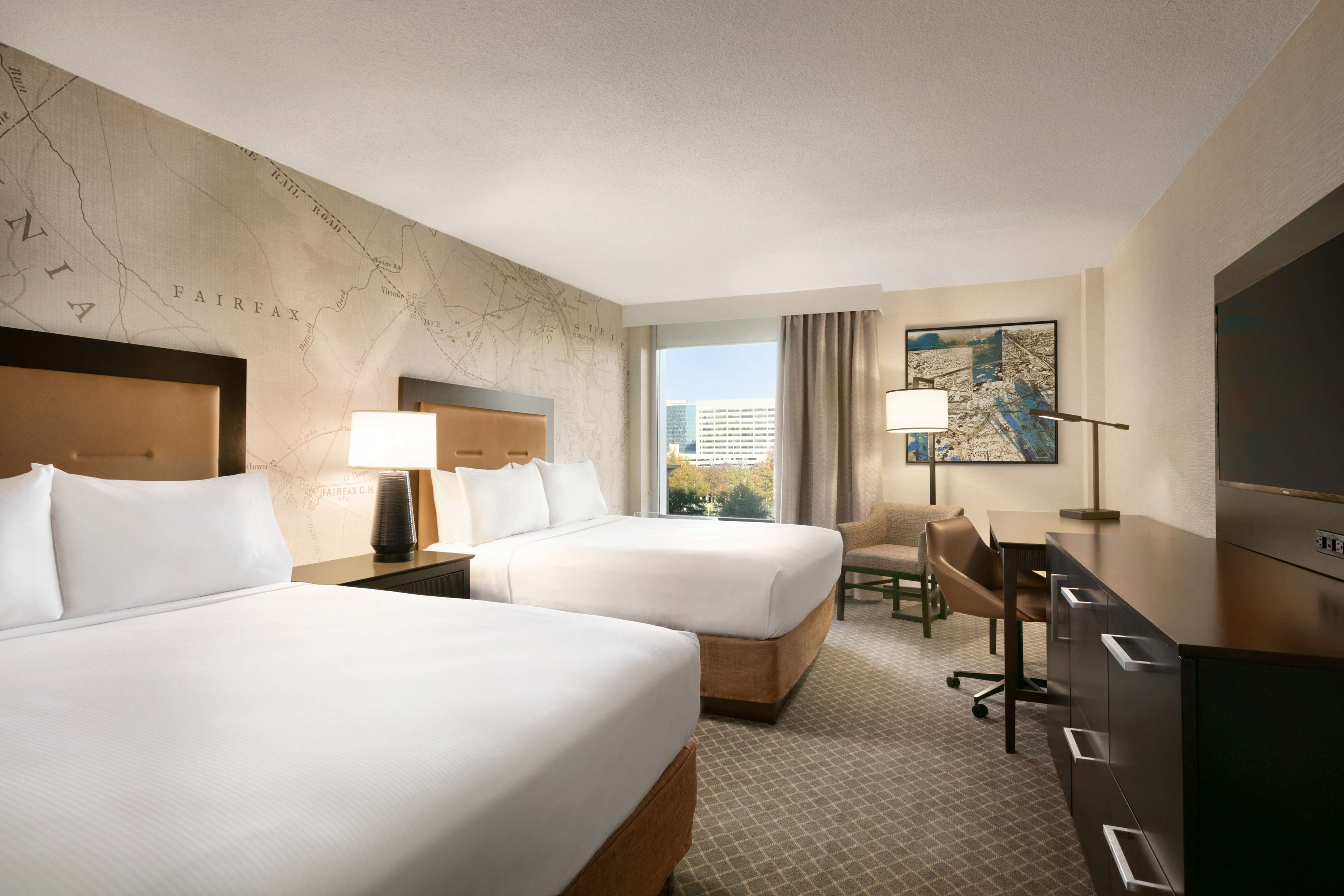 DoubleTree by Hilton McLean Tysons image 20