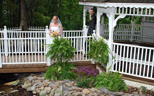 Wedding Chapel at Honeymoon Hills, Gatlinburg Wedding Chapel image 23