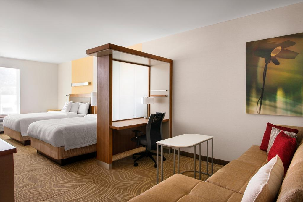 Queen/Queen Larger Studio Suite -  After a long day of touring Universal Studios Hollywood or strolling through Downtown Burbank, retreat to relaxation in our spacious hotel suites with pullout sofa b