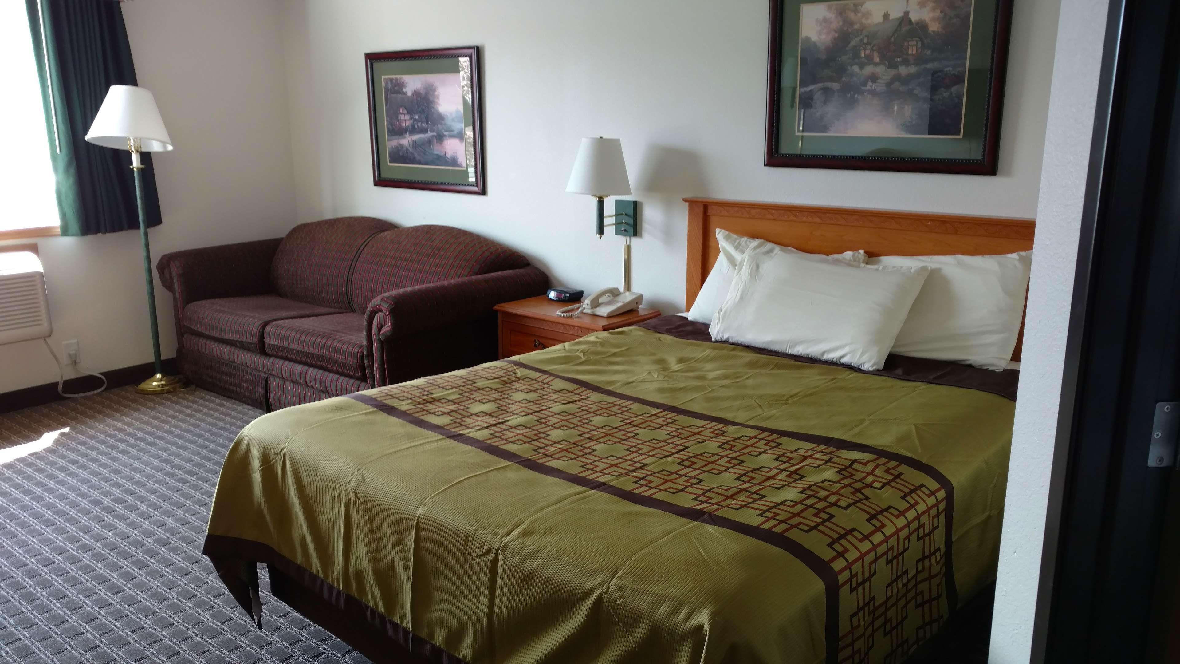 America's Best Inn - Annandale image 9