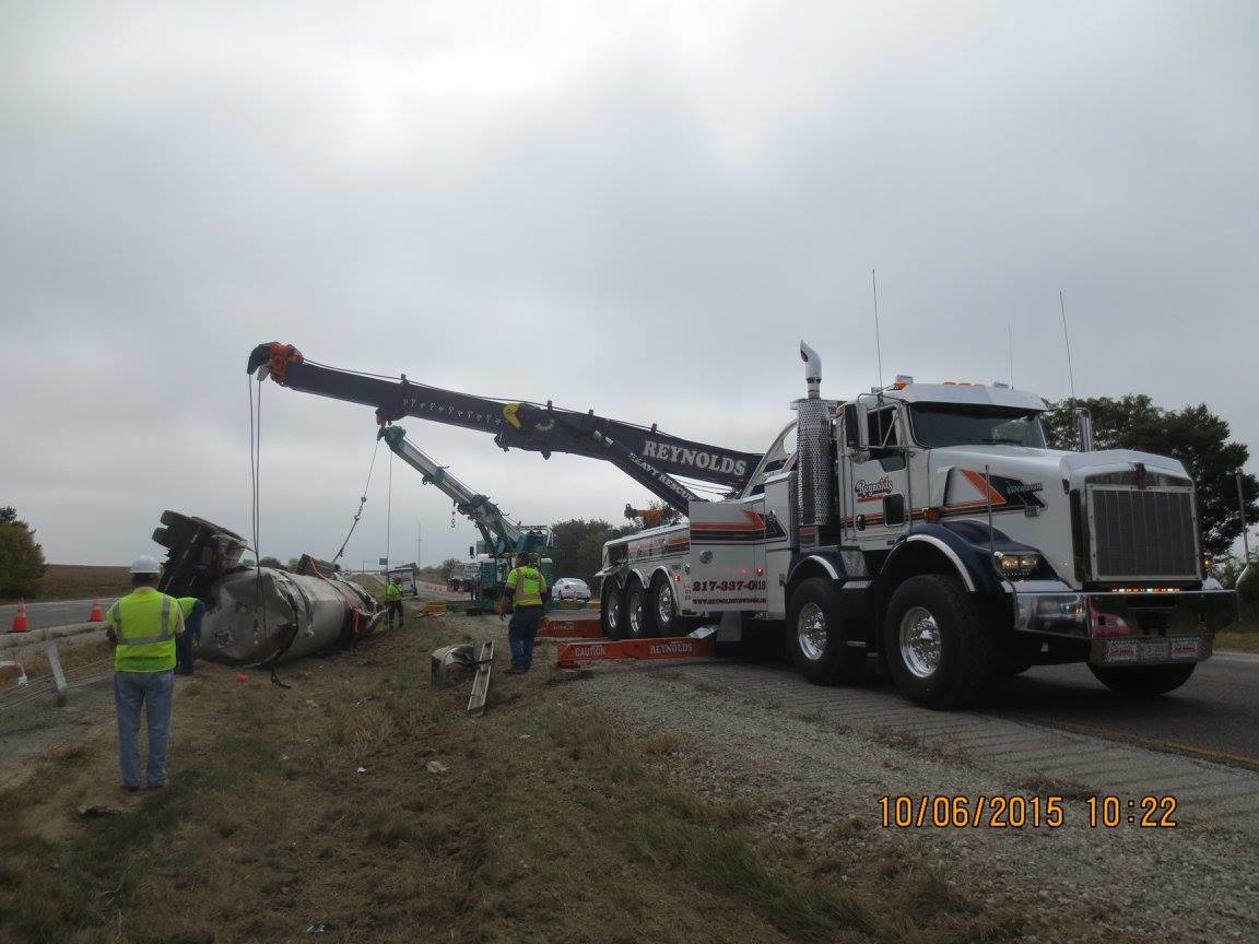 Reynolds Towing Service image 13