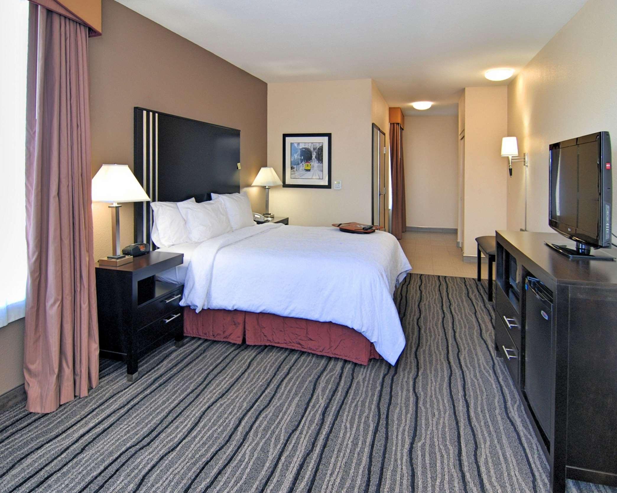 Hampton Inn & Suites Mountain View image 13