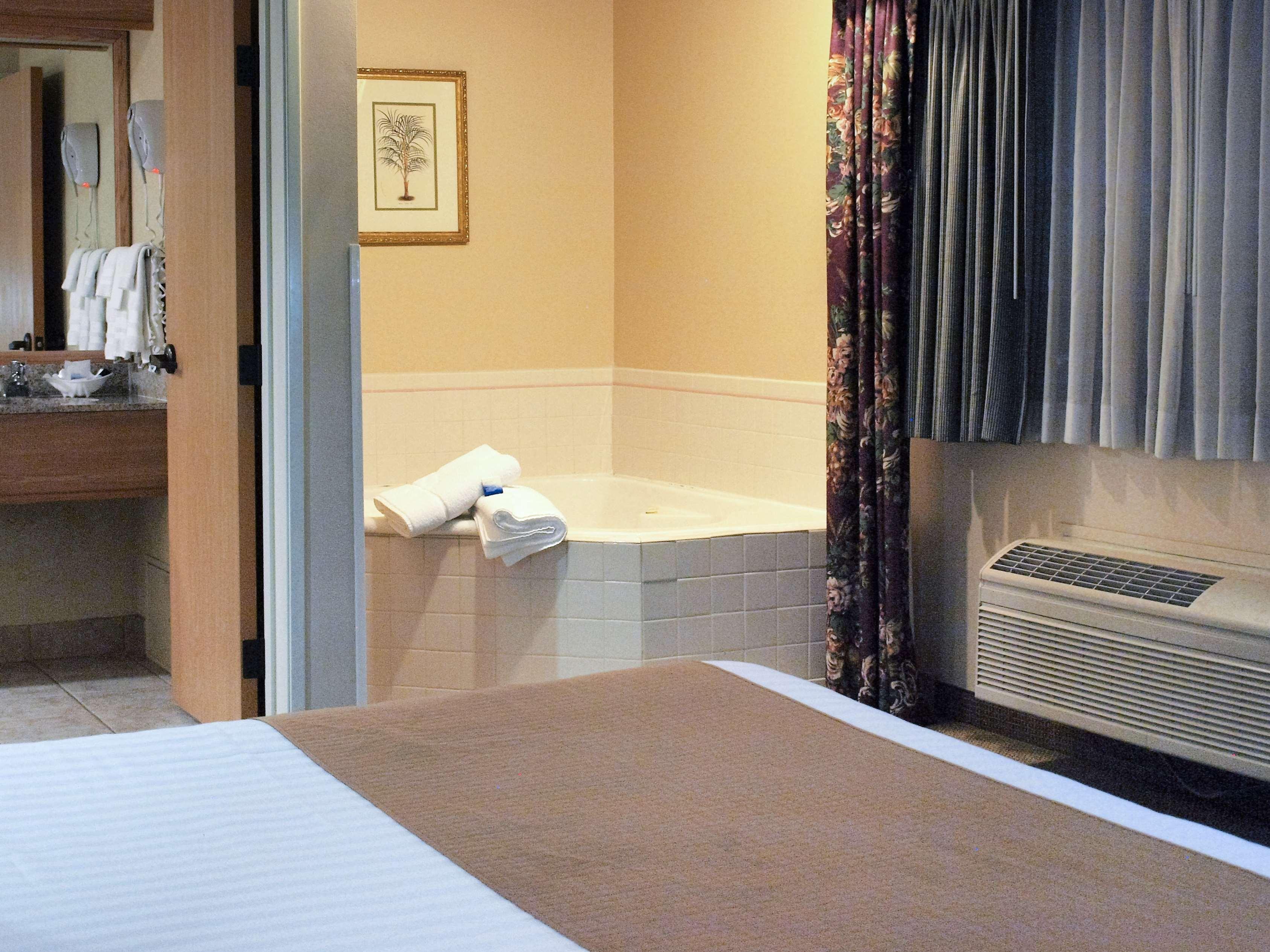 Best Western Plus Caldwell Inn & Suites image 26