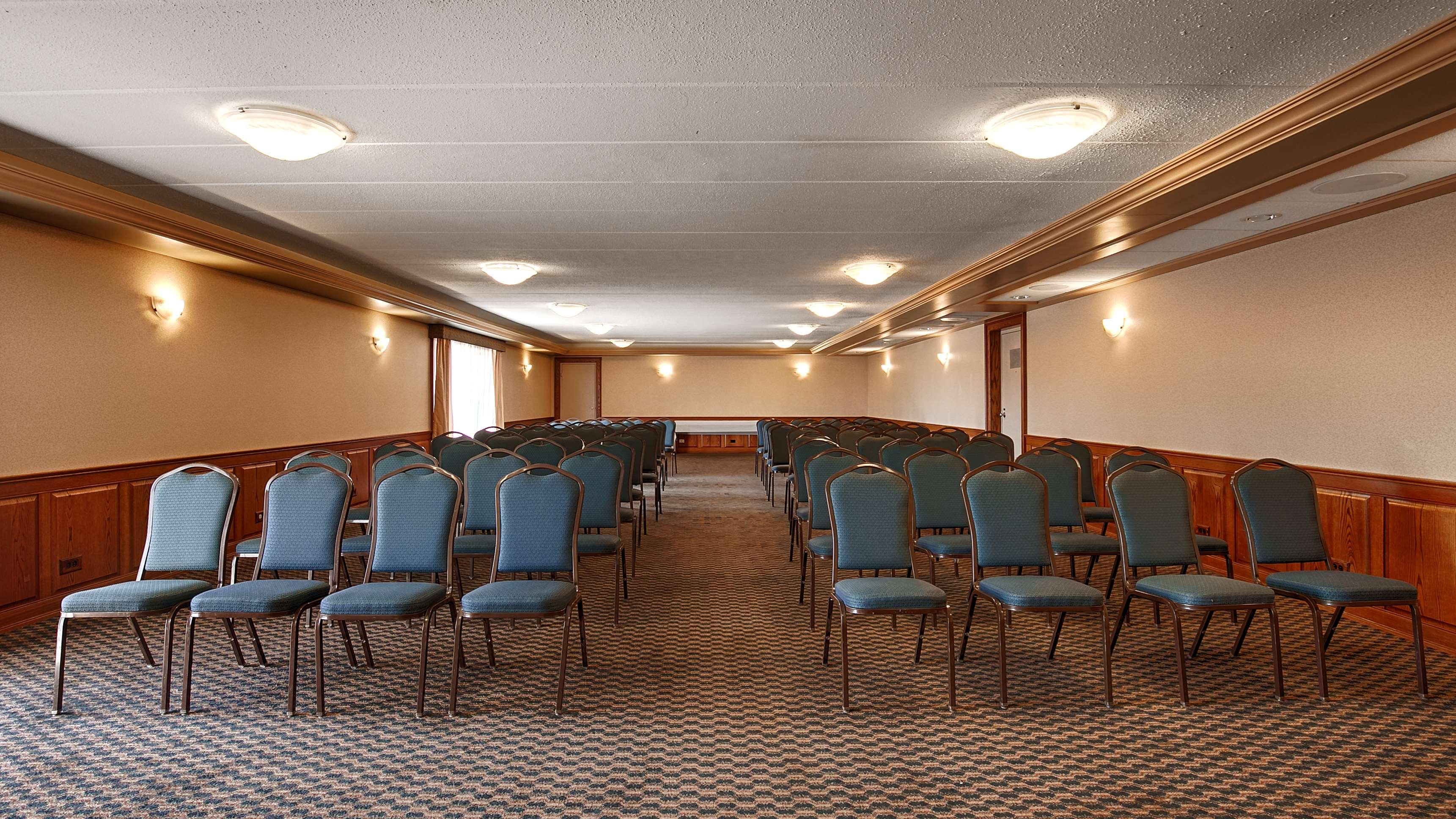 Best Western Valley Plaza Inn image 33