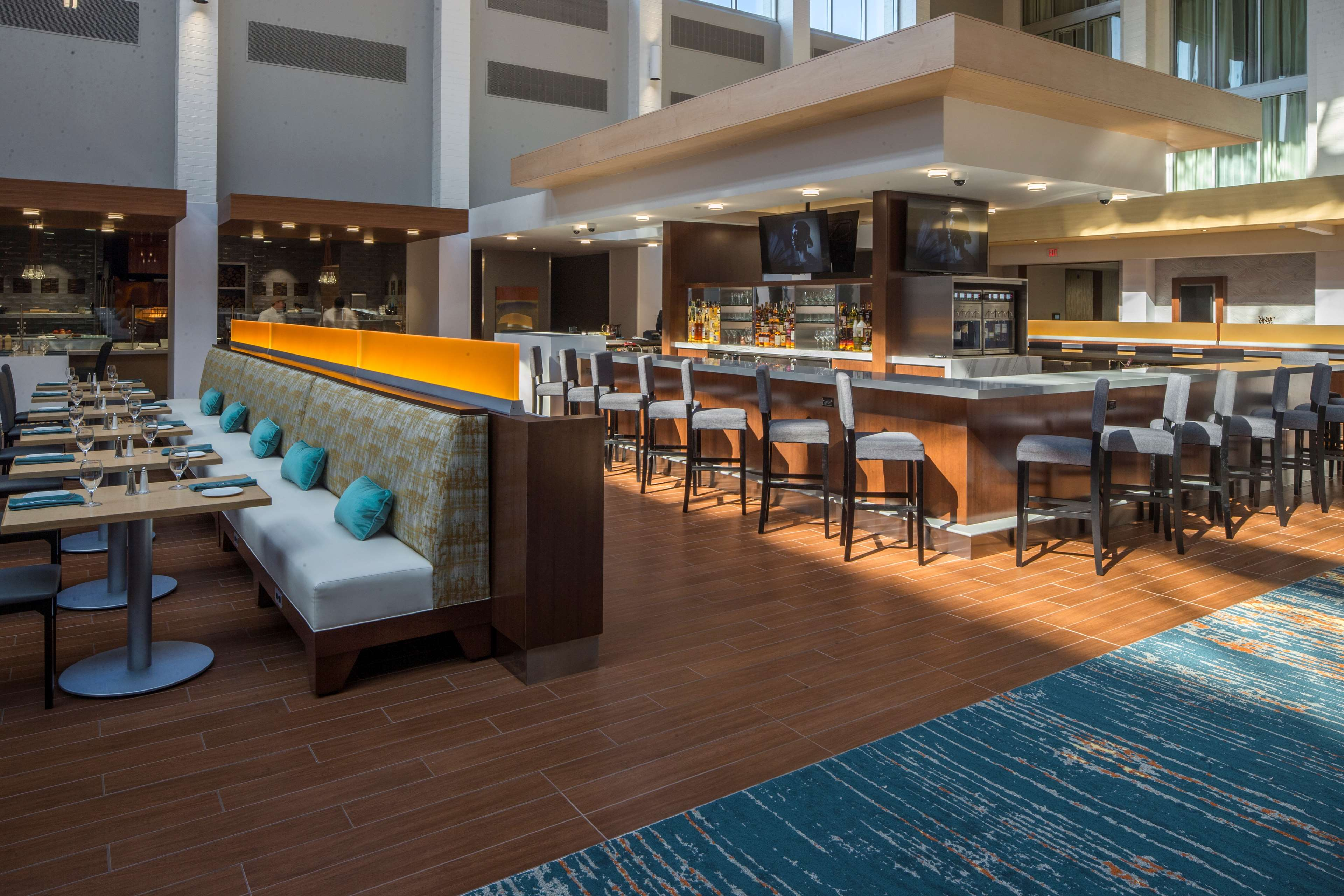 DoubleTree by Hilton Hotel Pittsburgh - Cranberry image 45