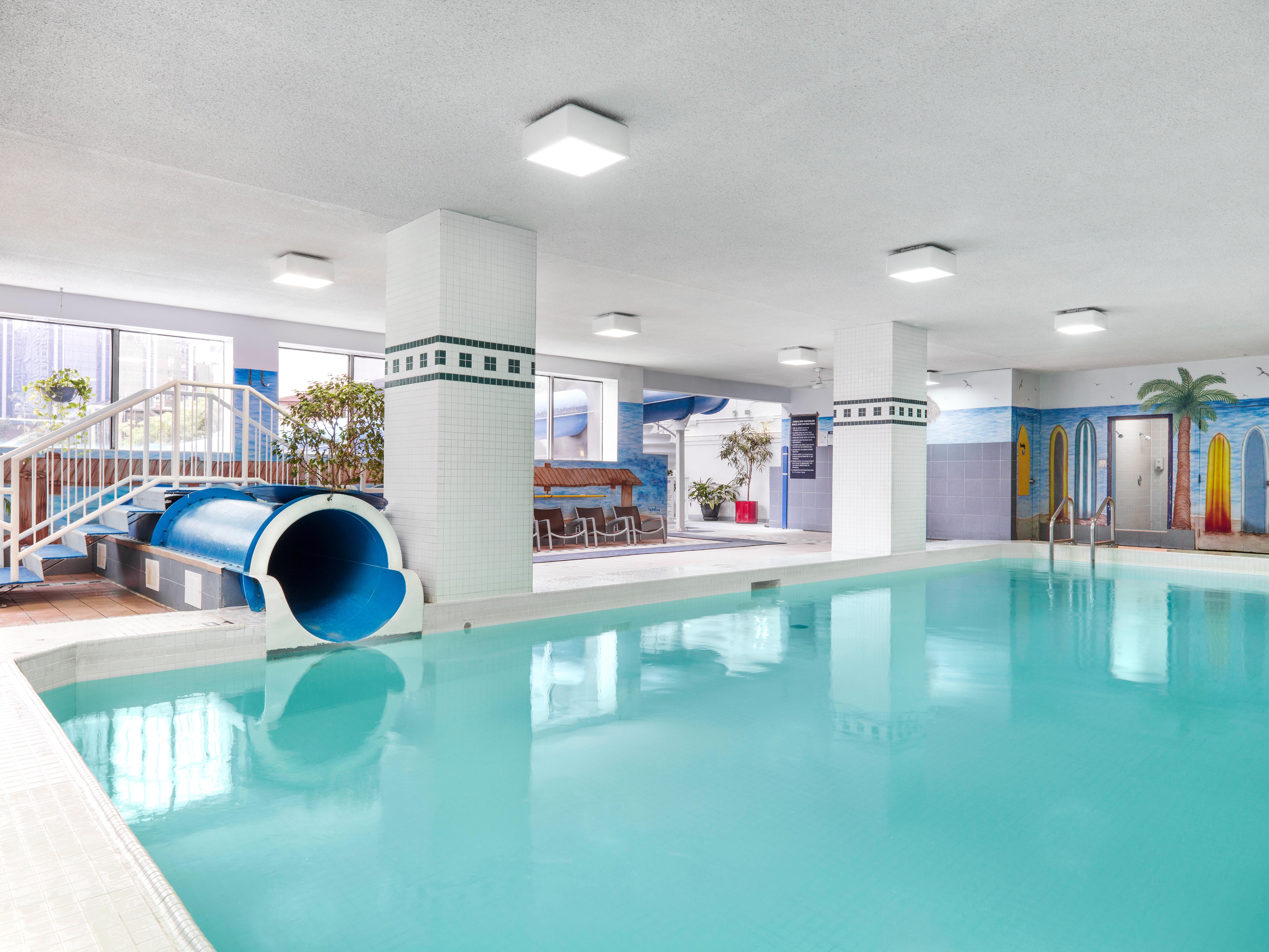 CHELSEA HOTEL, TORONTO in Toronto: Kids Swimming Pool