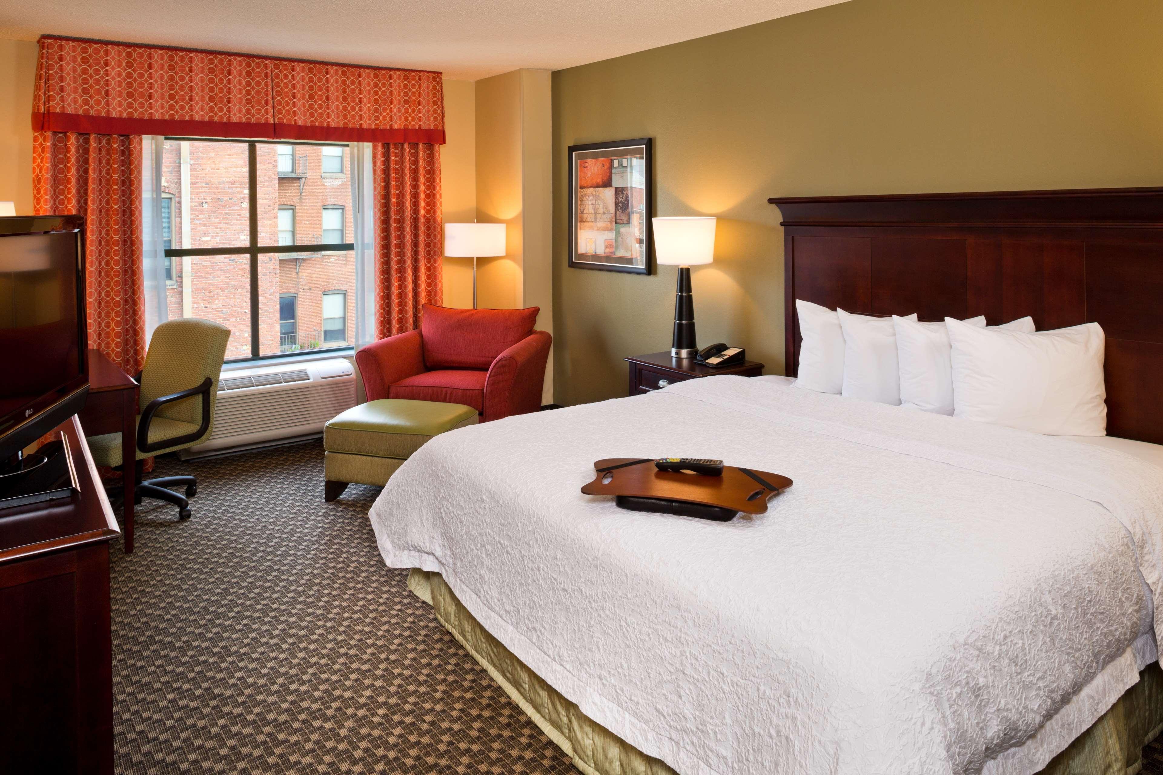 Hampton Inn Baltimore-Downtown-Convention Center image 17