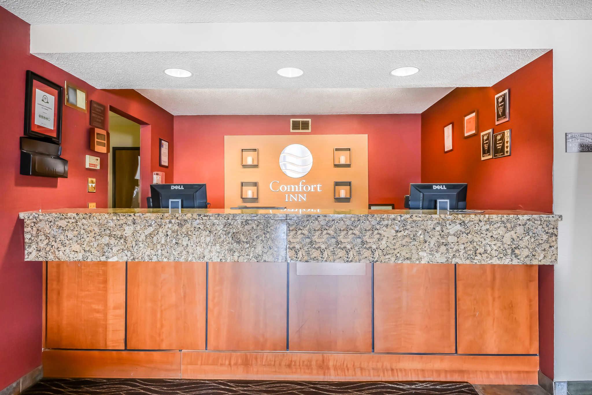 Comfort Inn Batavia-Darien - Amusement Park Area image 17