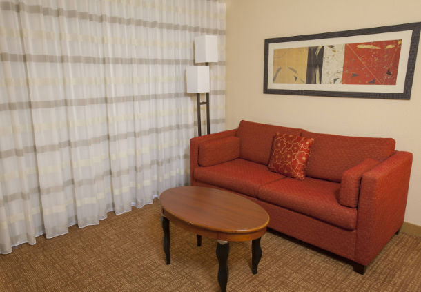 Courtyard by Marriott Chicago Highland Park/Northbrook
