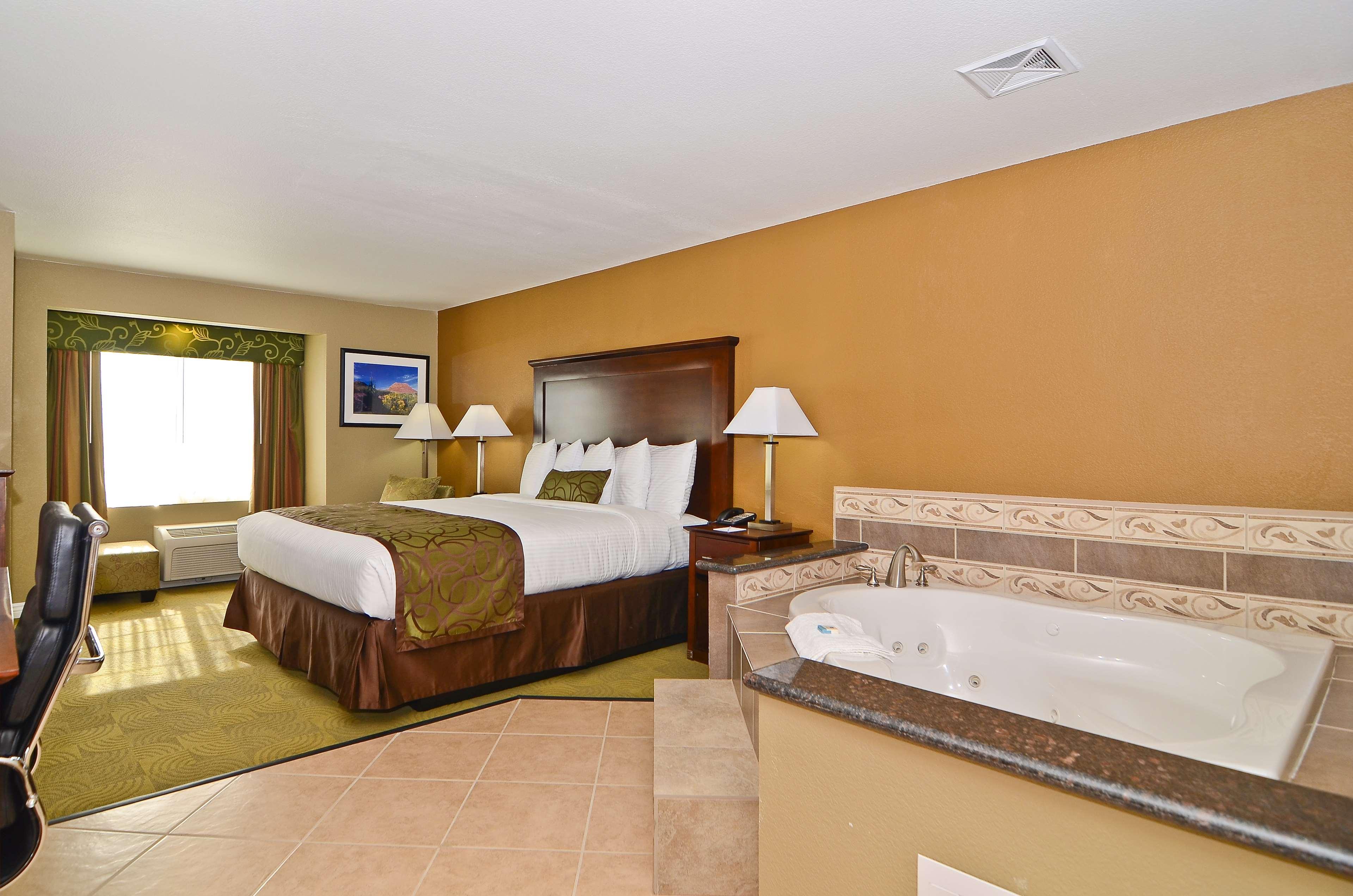 Best Western California City Inn & Suites image 20