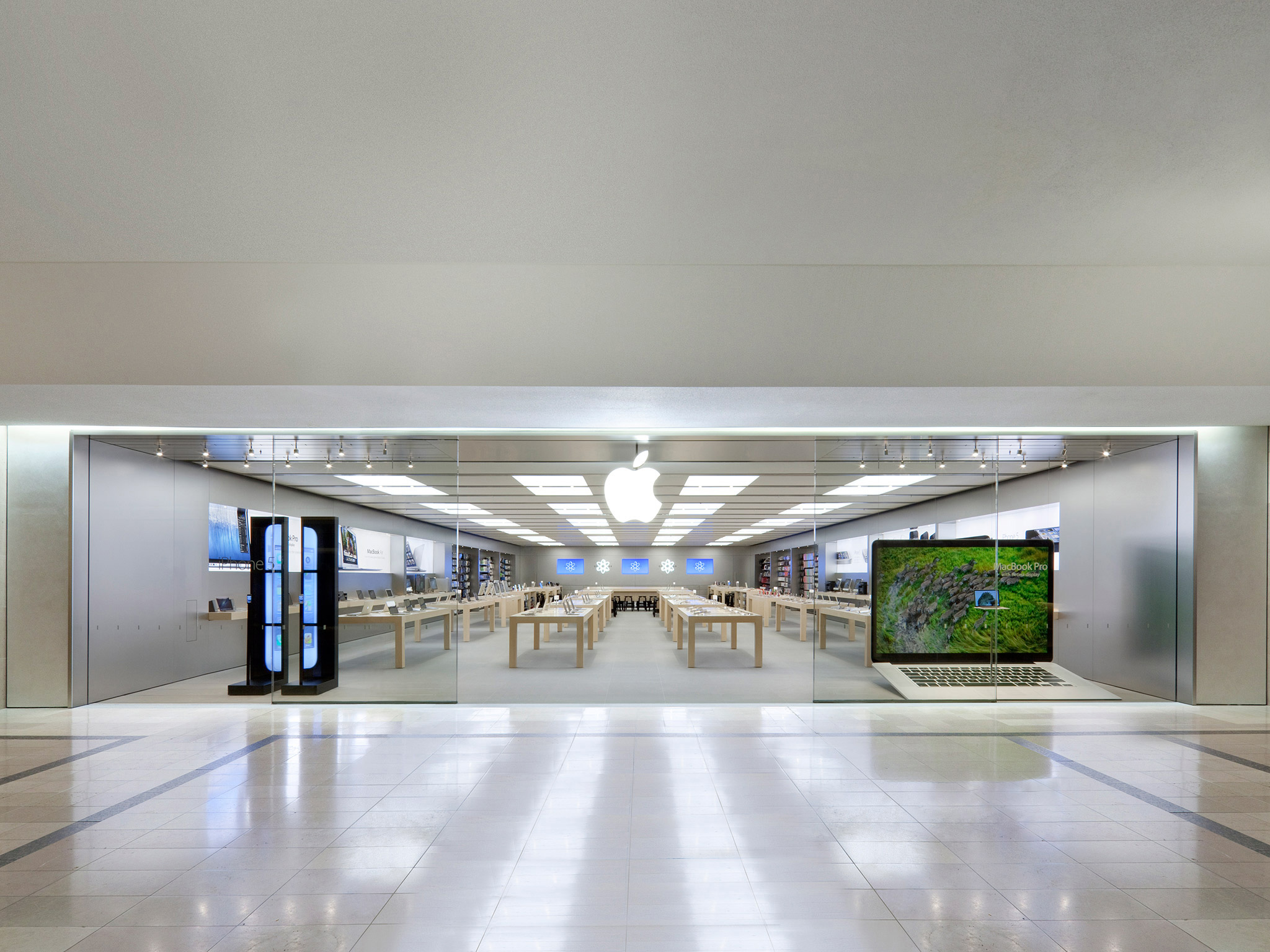 Apple Sherway Gardens 25 The West Mall Toronto On Apple