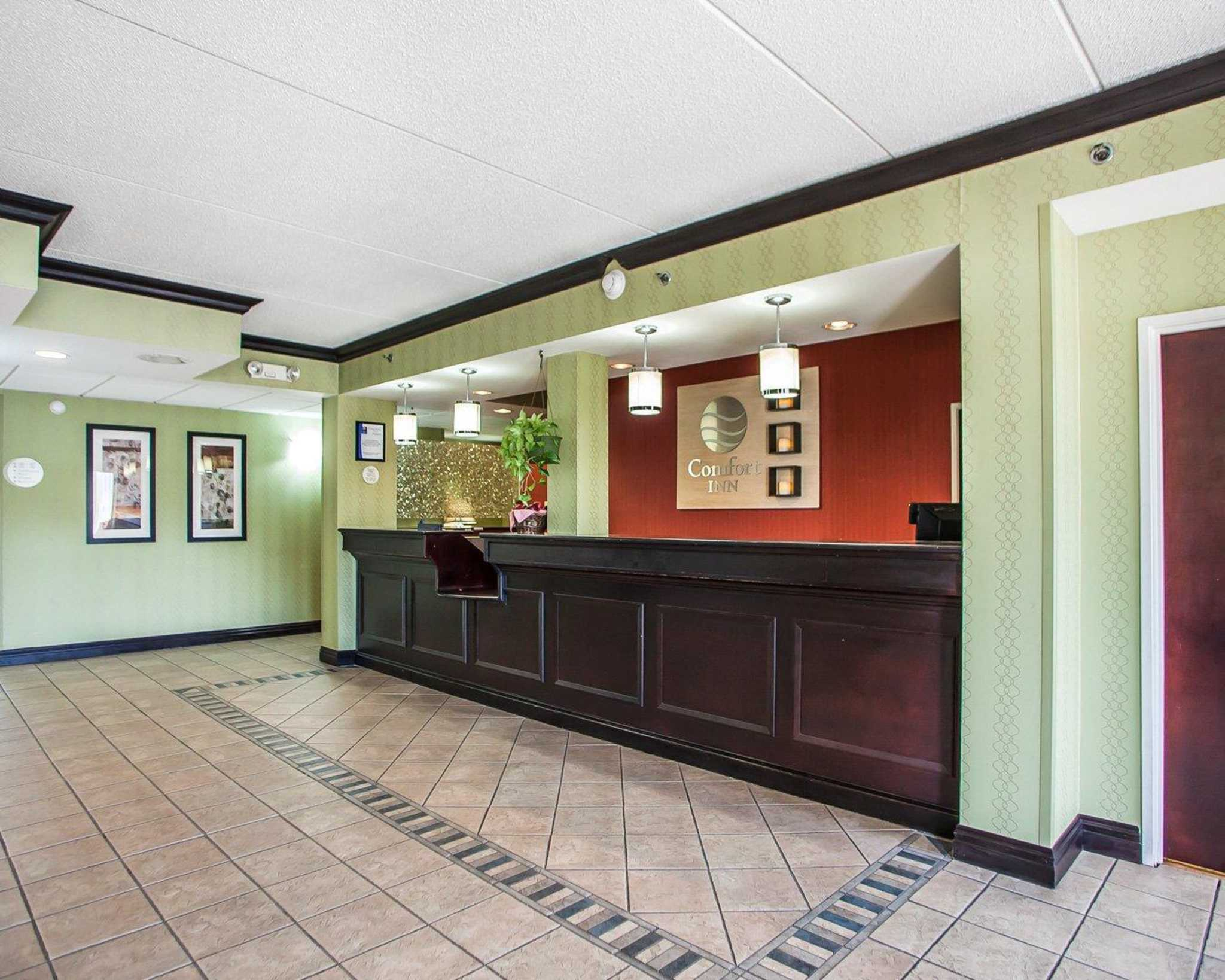 Comfort Inn Lehigh Valley West image 16