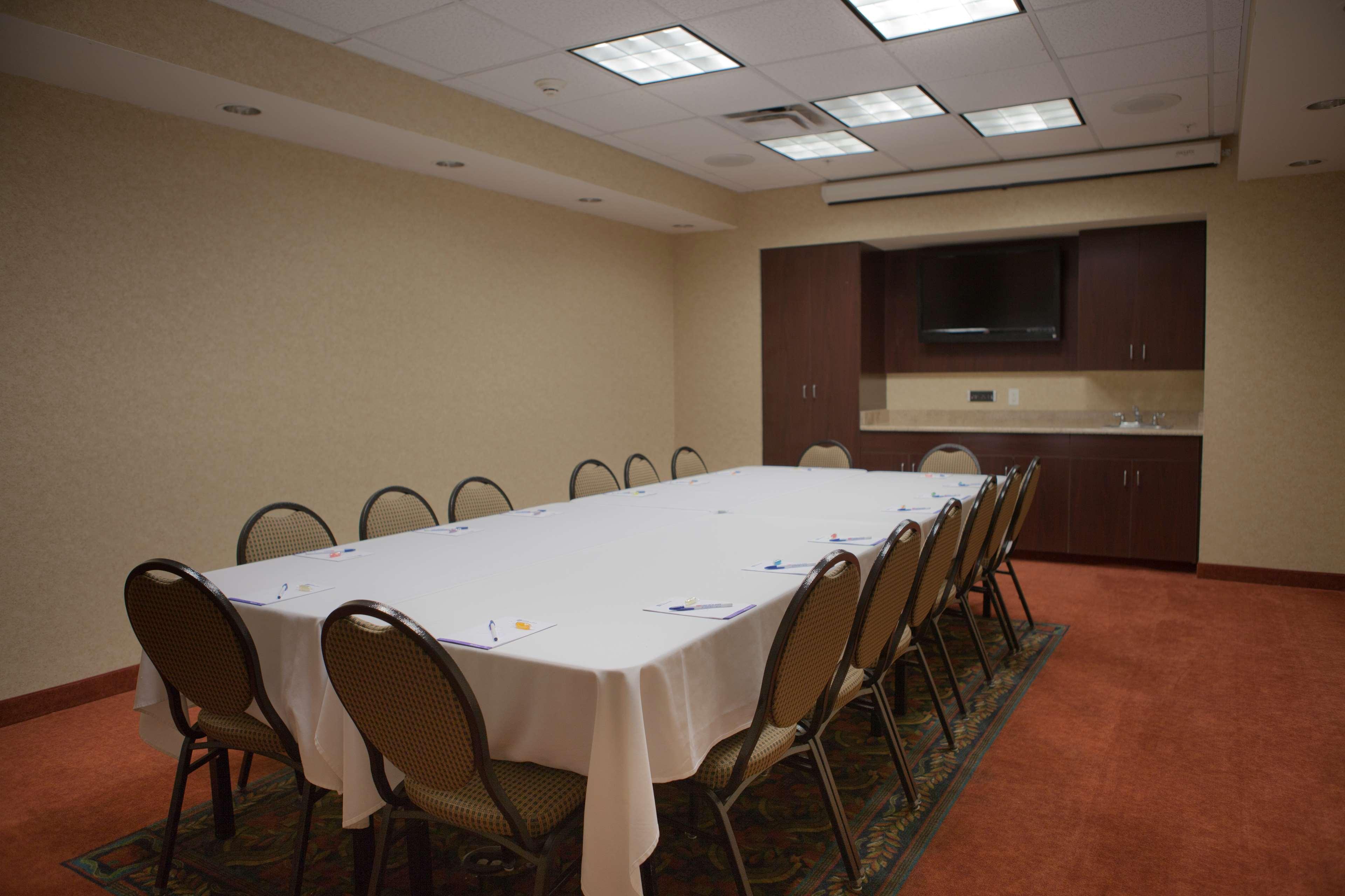 Hilton Garden Inn Albuquerque/Journal Center image 31