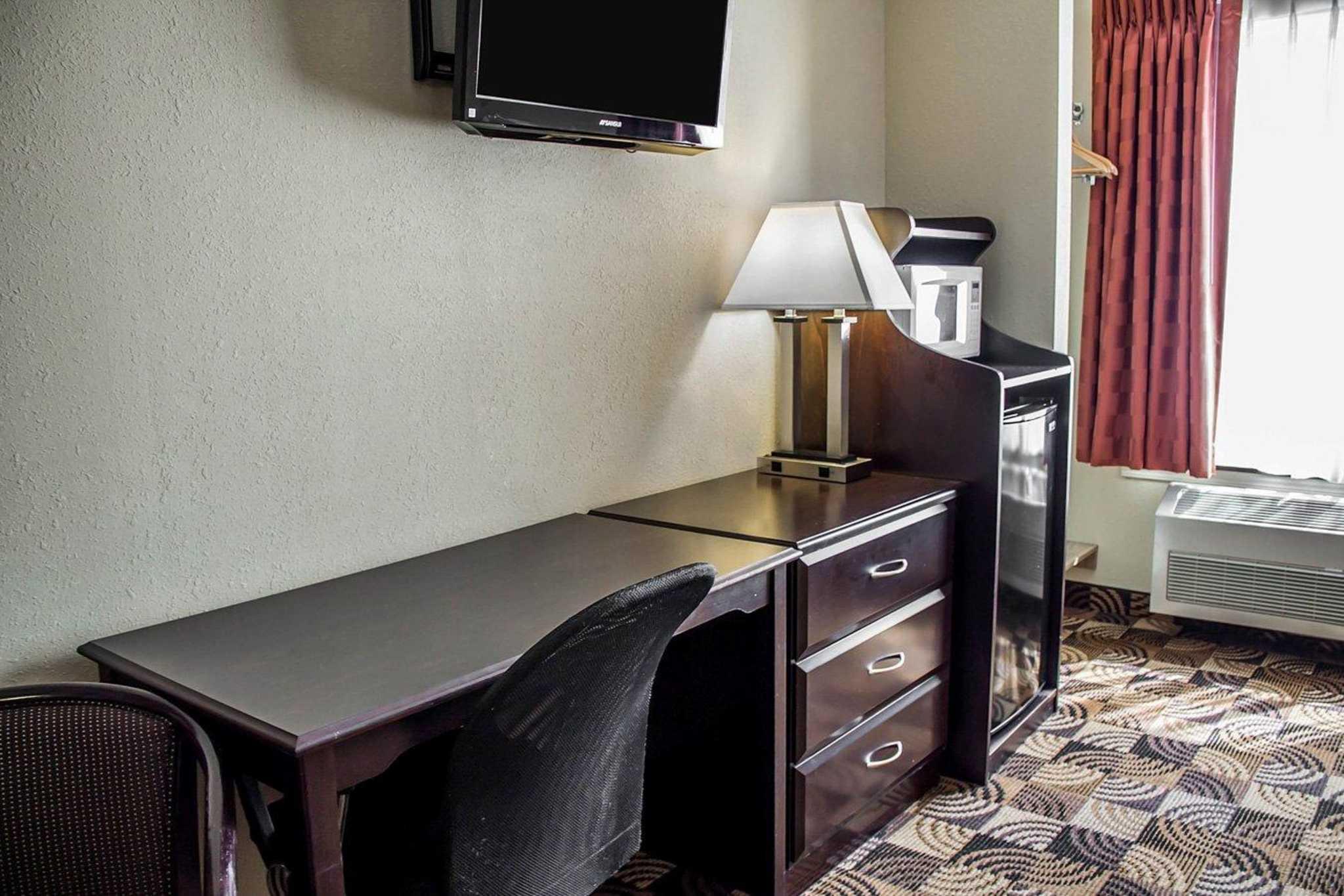 Quality Inn Brunswick Cleveland South image 15