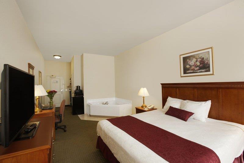 Best Western Plus Lake Elsinore Inn & Suites image 8