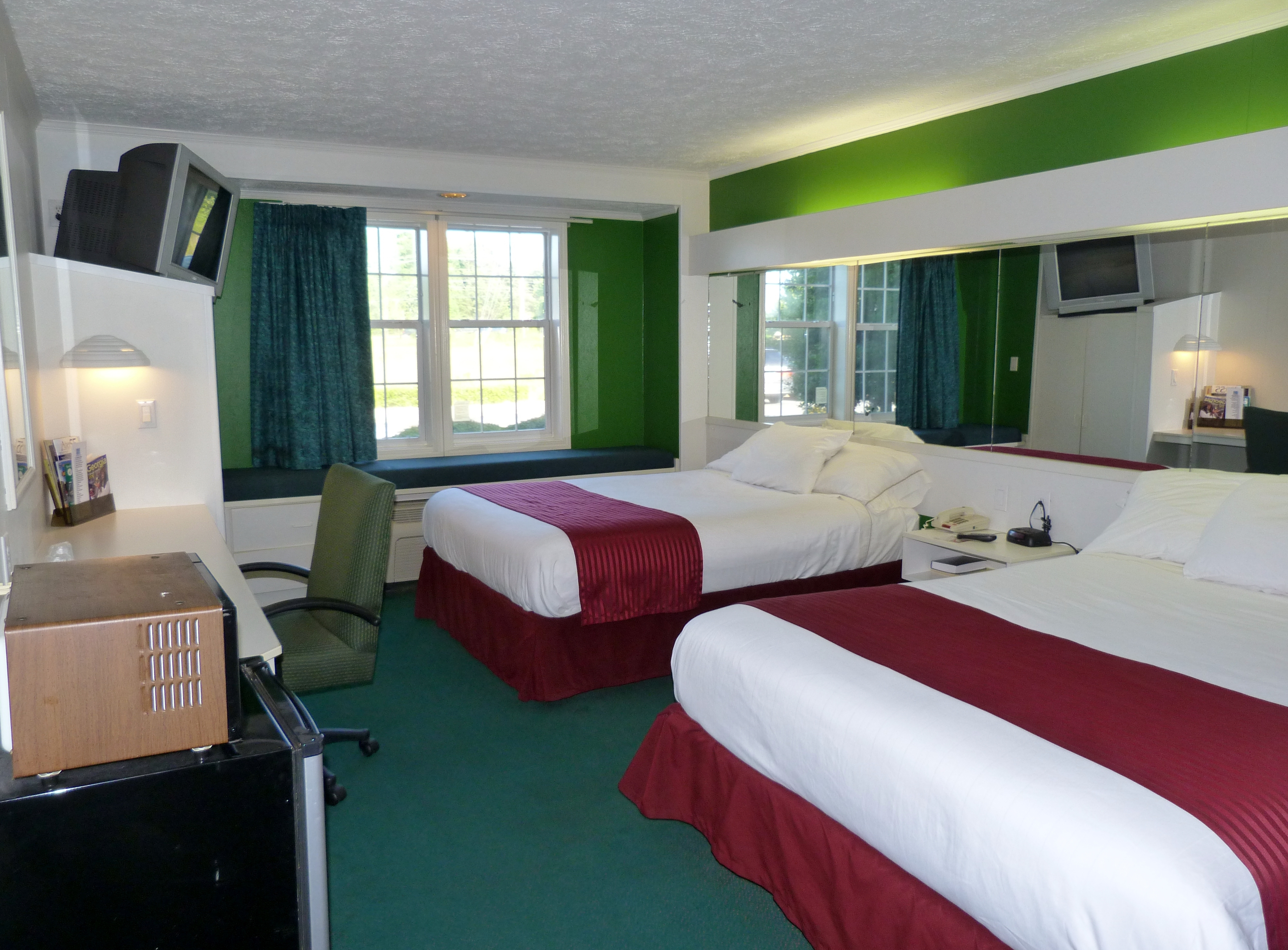 Holiday Lodge image 3