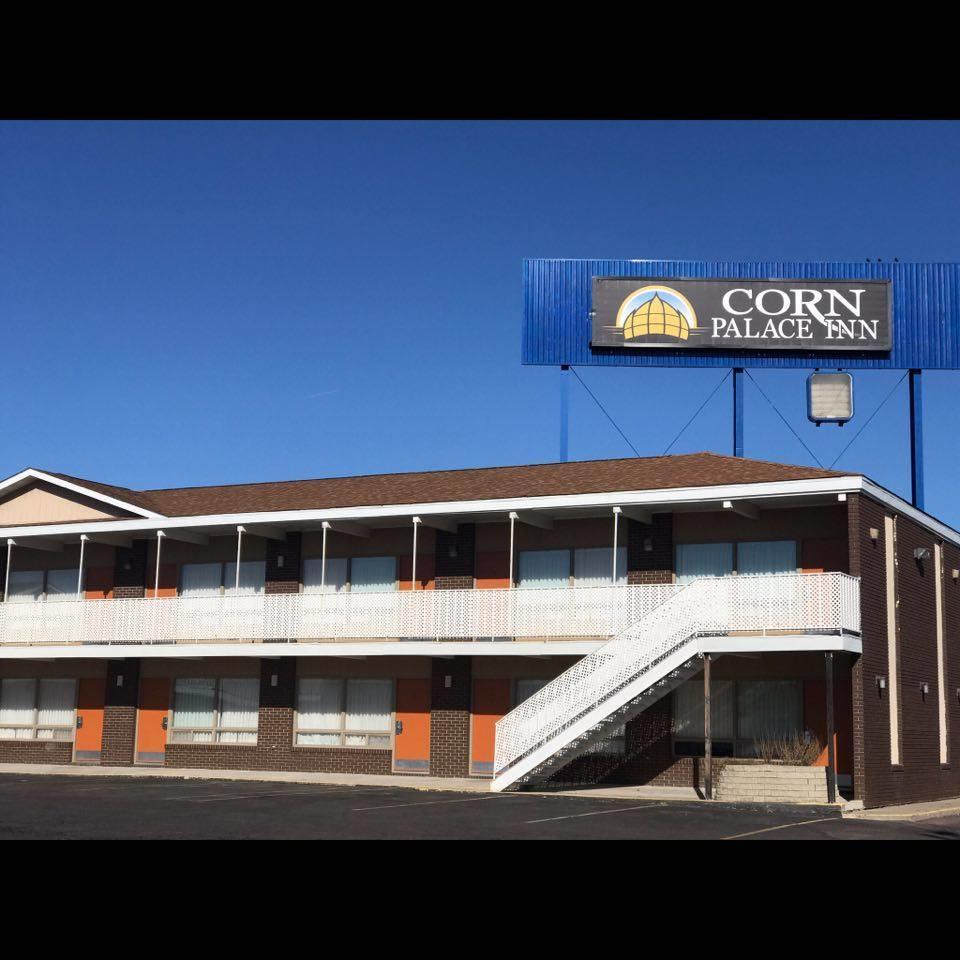 Corn Palace Inn image 2