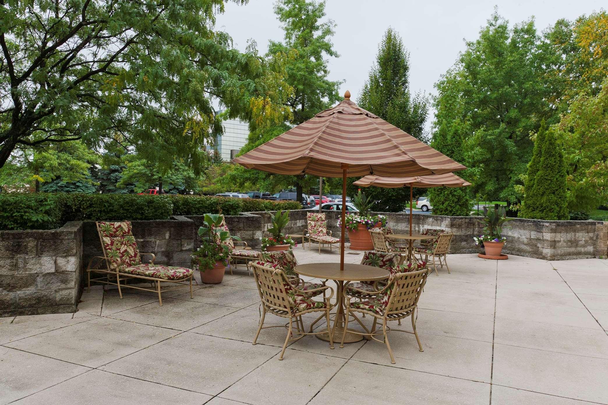 Embassy Suites by Hilton Detroit Troy Auburn Hills image 40