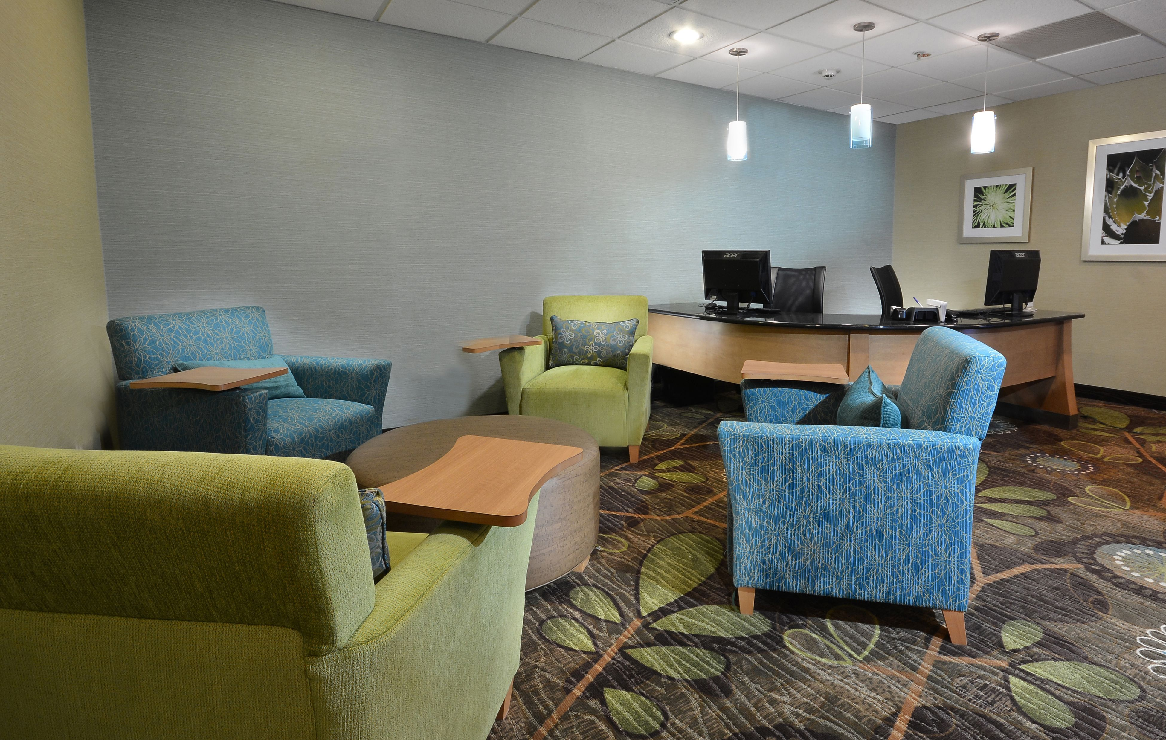 Holiday Inn Express & Suites High Point South image 4