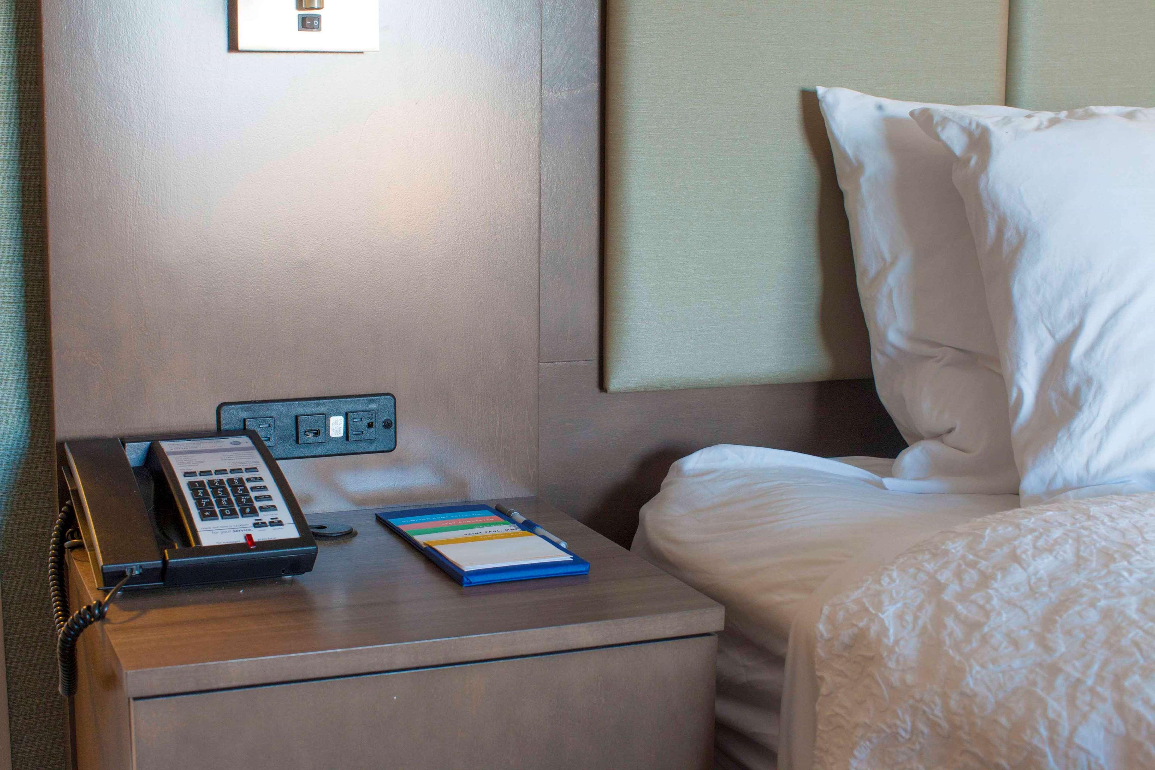 Hampton Inn & Suites Downtown St. Paul image 46