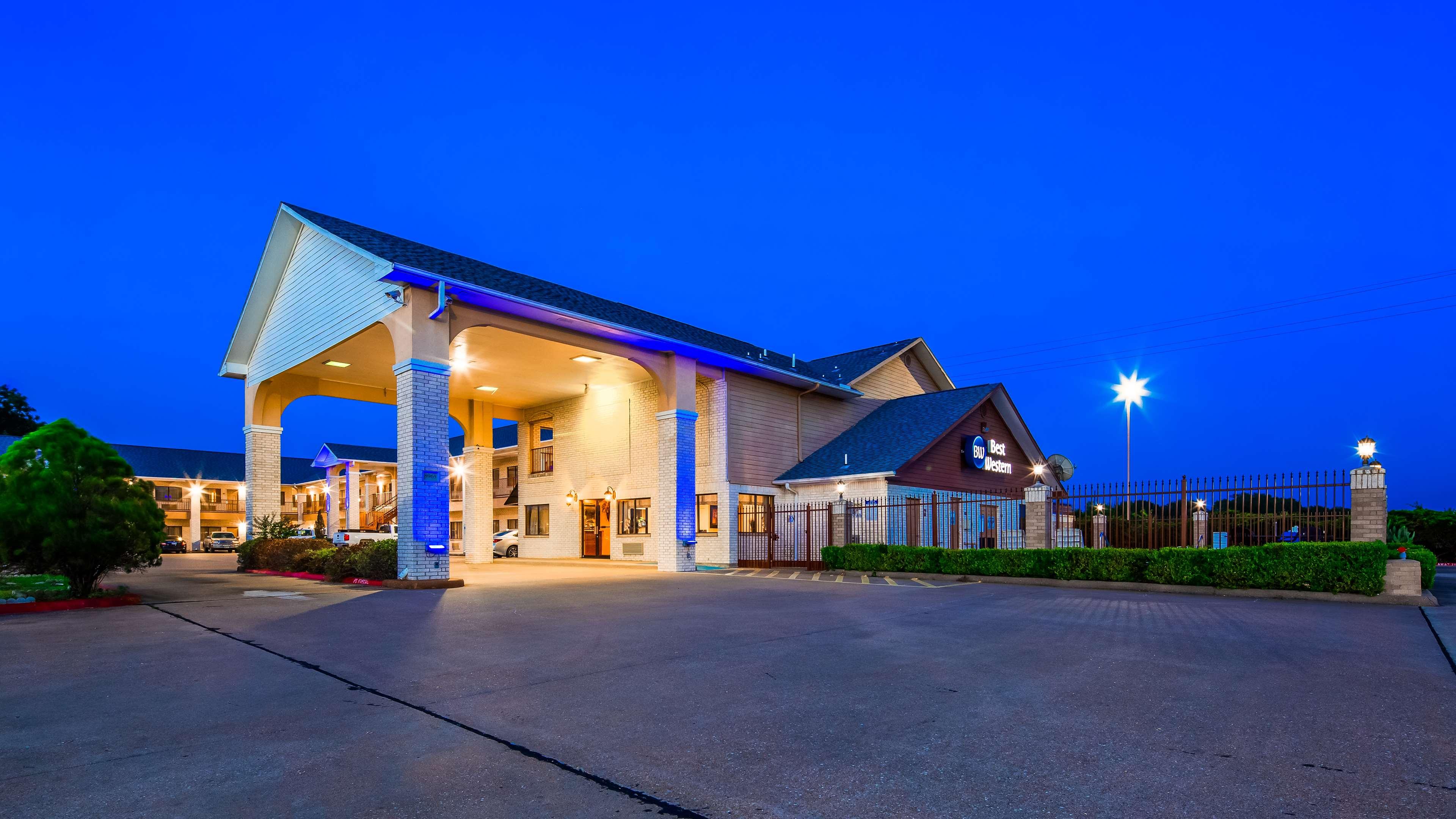 Best Western Inn of Navasota image 1