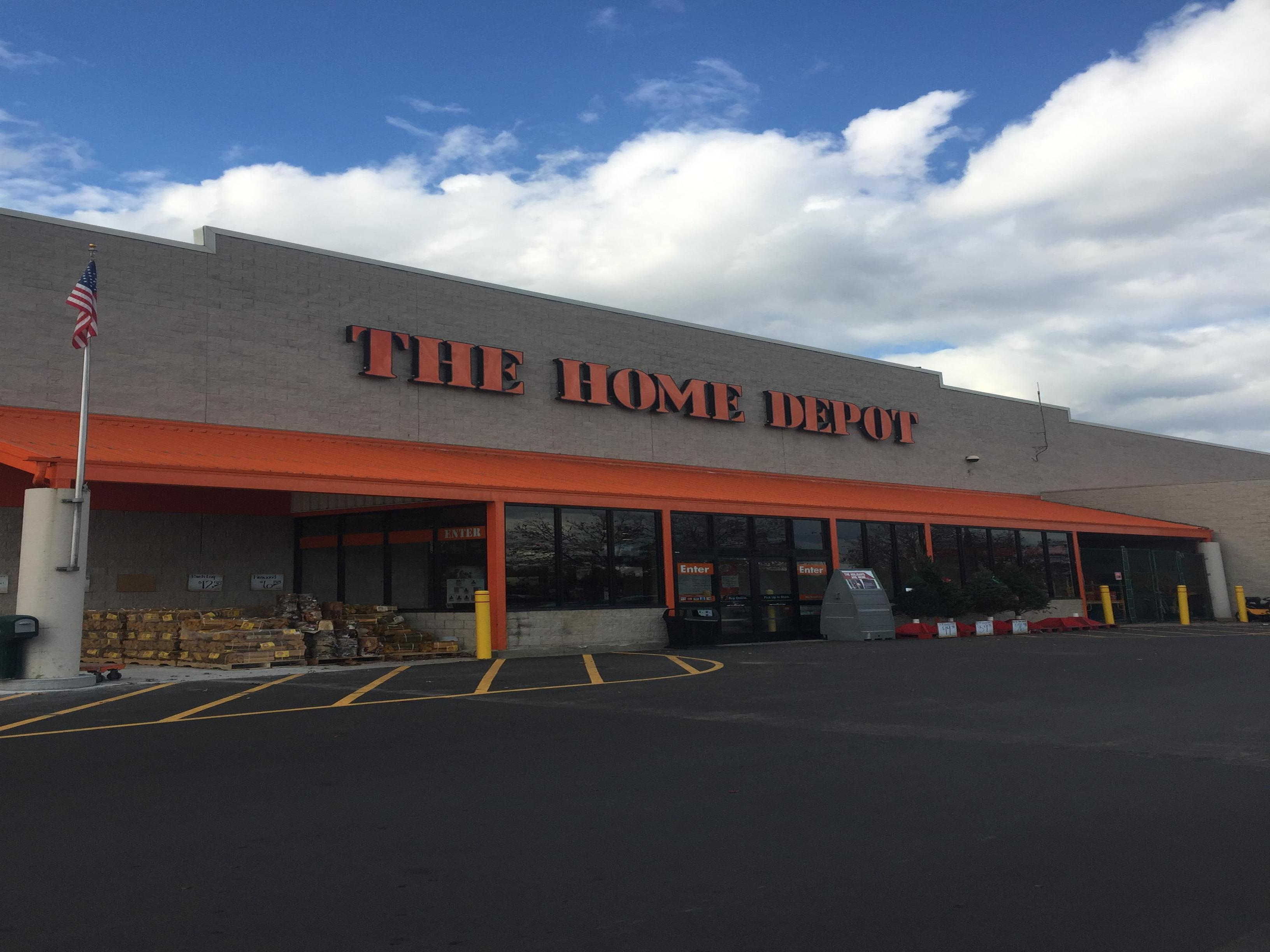 centralizing business home depot Answer to case study home depot renovates itself with new systems and ways of working when embarking on household improvement proj.
