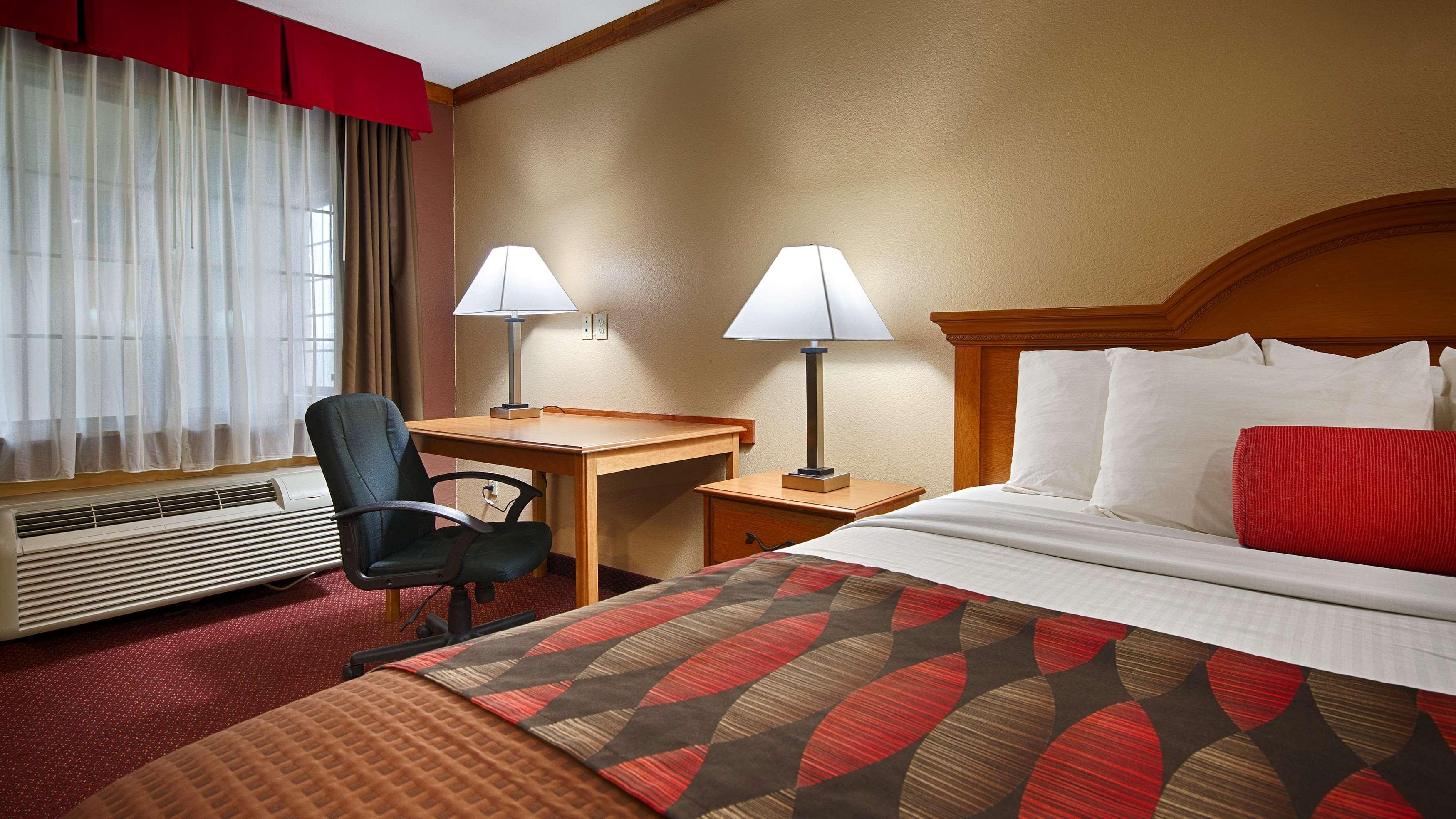 Best Western Windwood Inn & Suites image 8