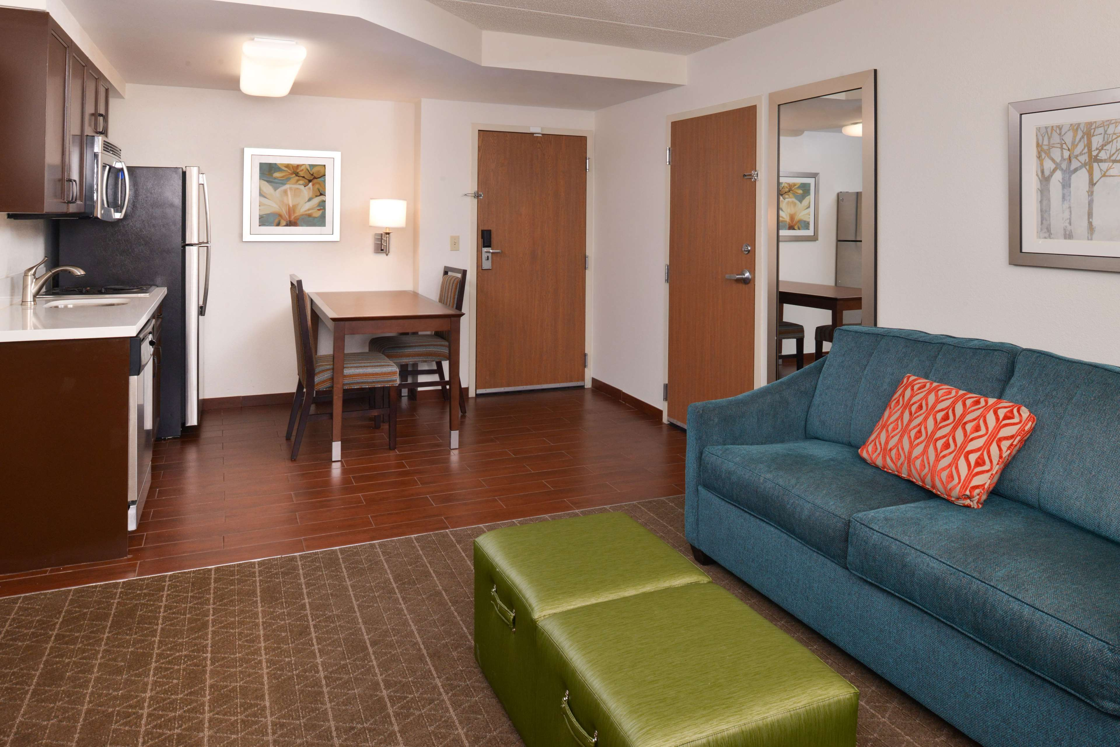 Hampton Inn & Suites Pueblo-Southgate image 33