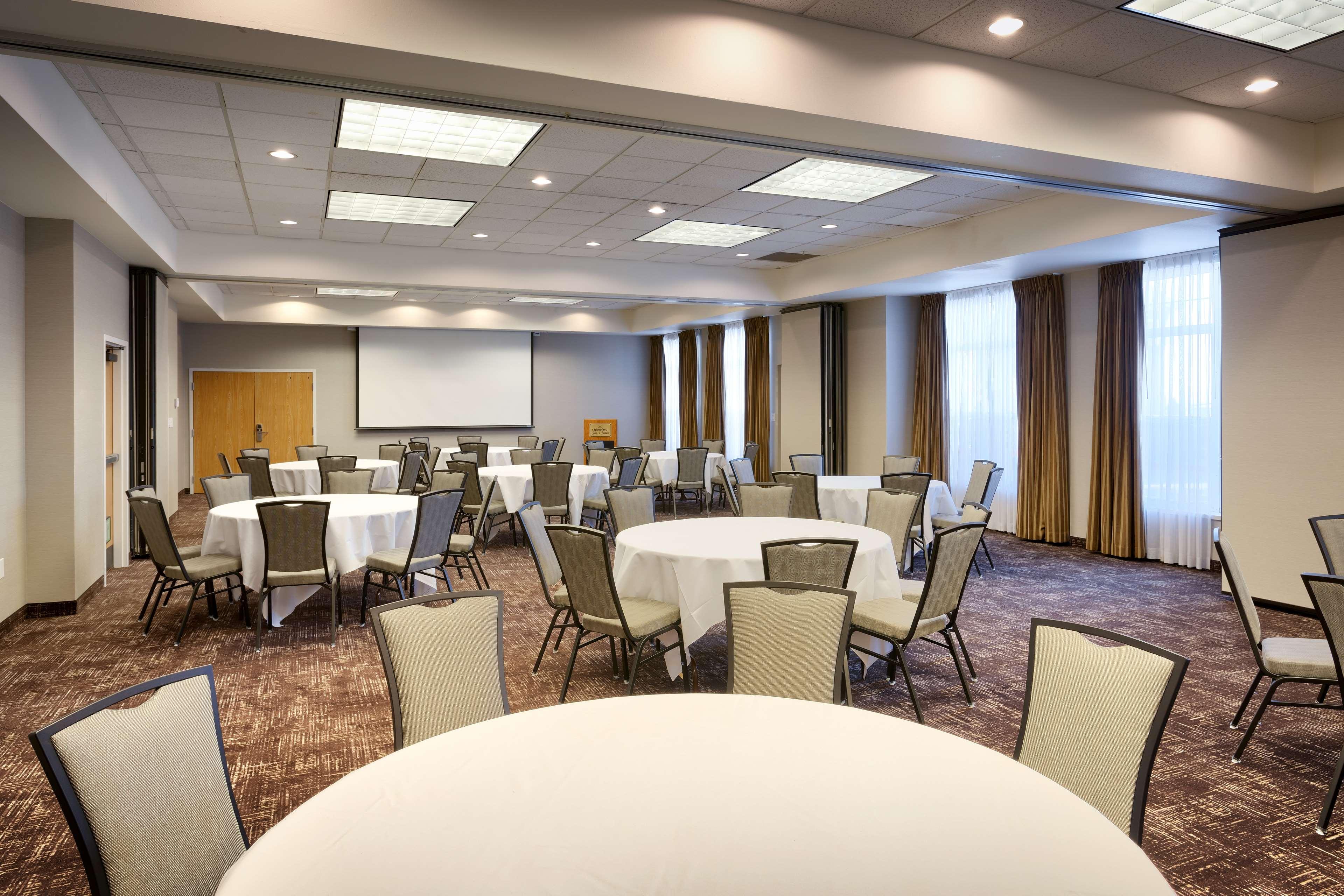Hampton Inn & Suites Orem image 20