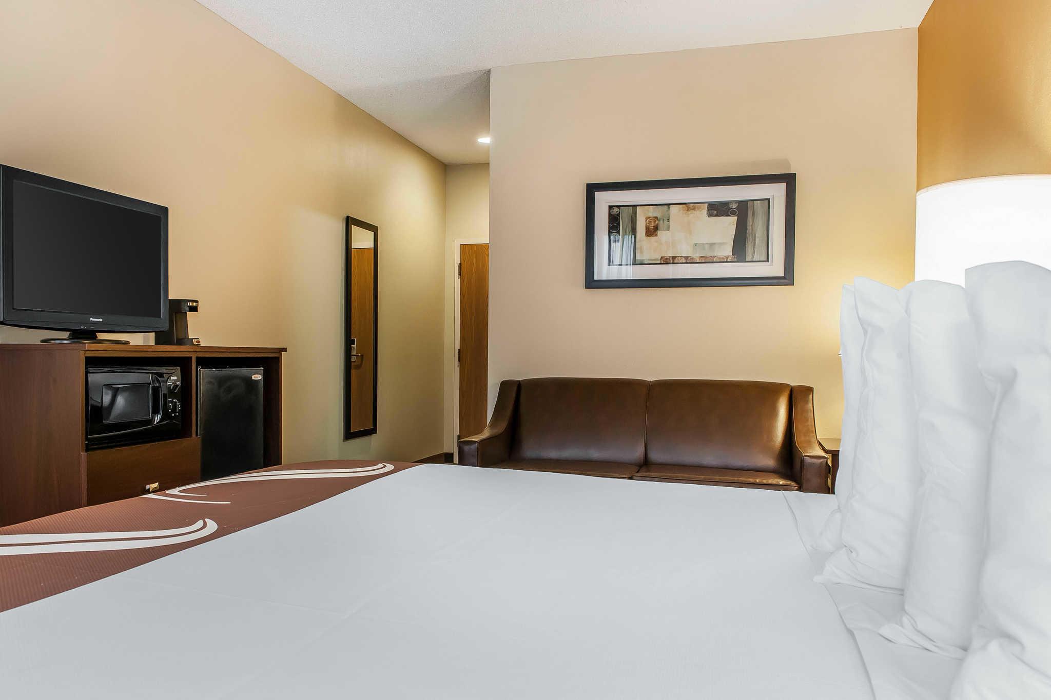 Quality Inn Chester I-75 image 7