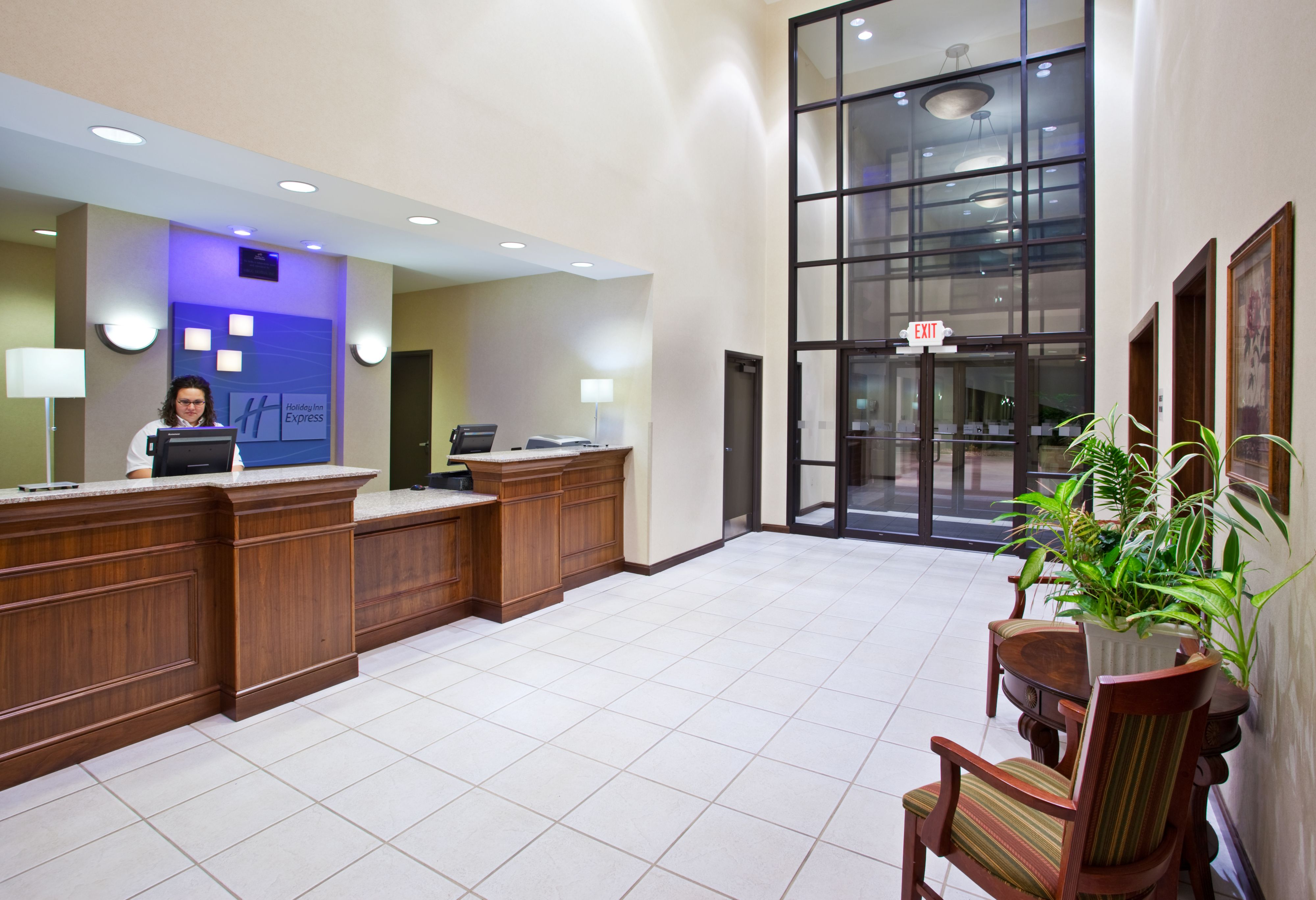 Holiday Inn Express & Suites Franklin - Oil City image 4