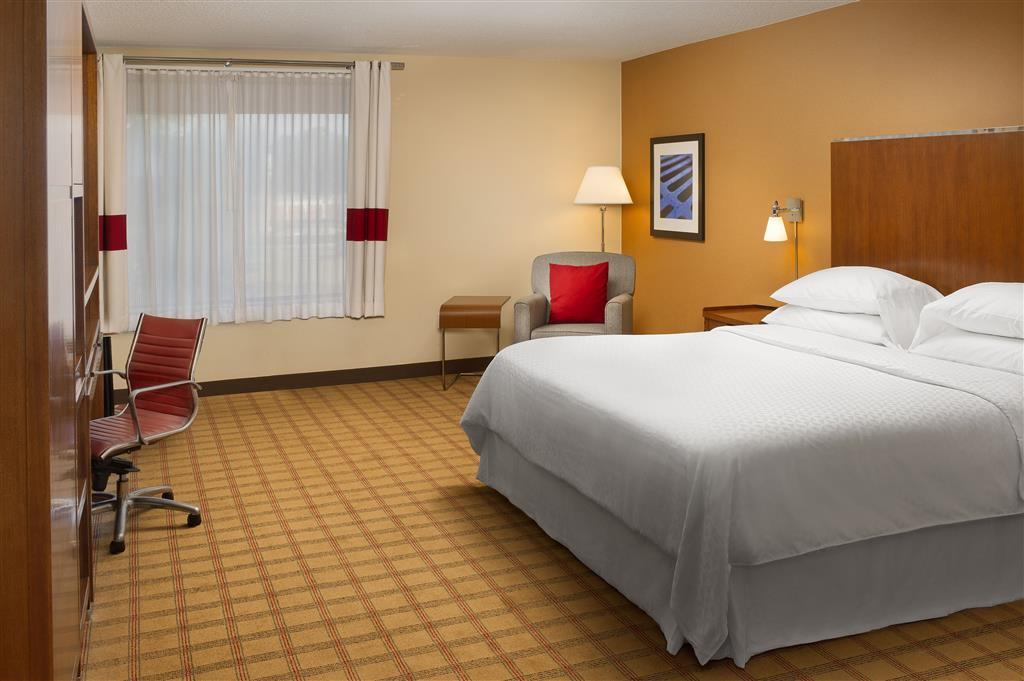 Four Points by Sheraton Jacksonville Baymeadows image 4