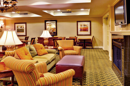 Holiday Inn Express & Suites Jackson - Flowood image 2