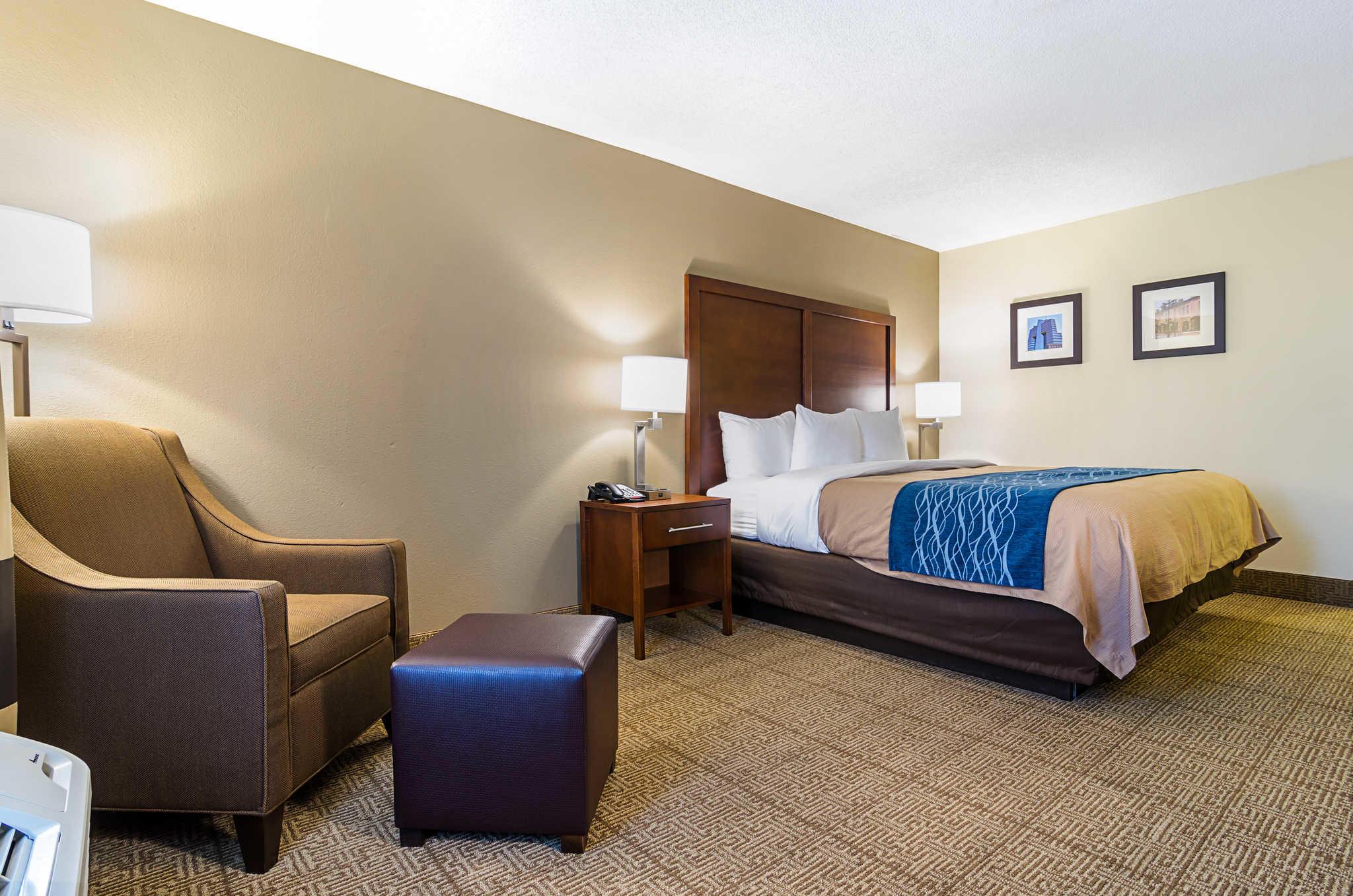 Comfort Inn & Suites Duke University-Downtown image 18