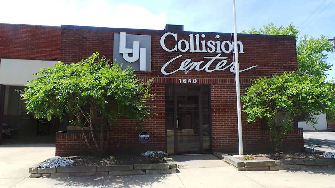 LJI Collision Center Cleveland Heights image 5