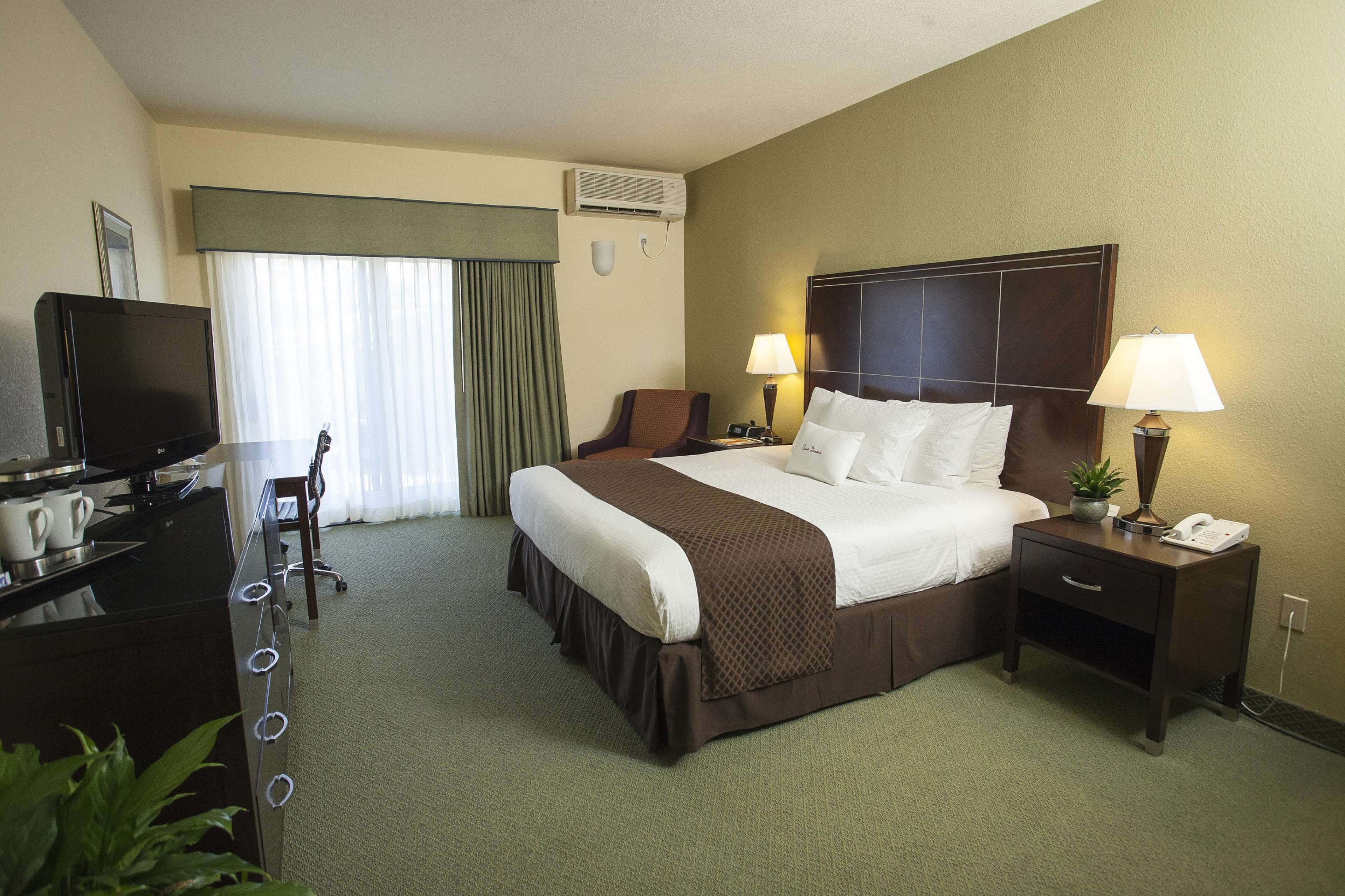 DoubleTree by Hilton Hotel & Spa Napa Valley - American Canyon image 9