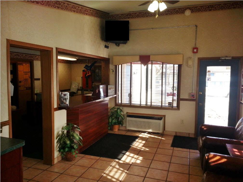 Americas Best Value Inn & Suites Monroe image 3