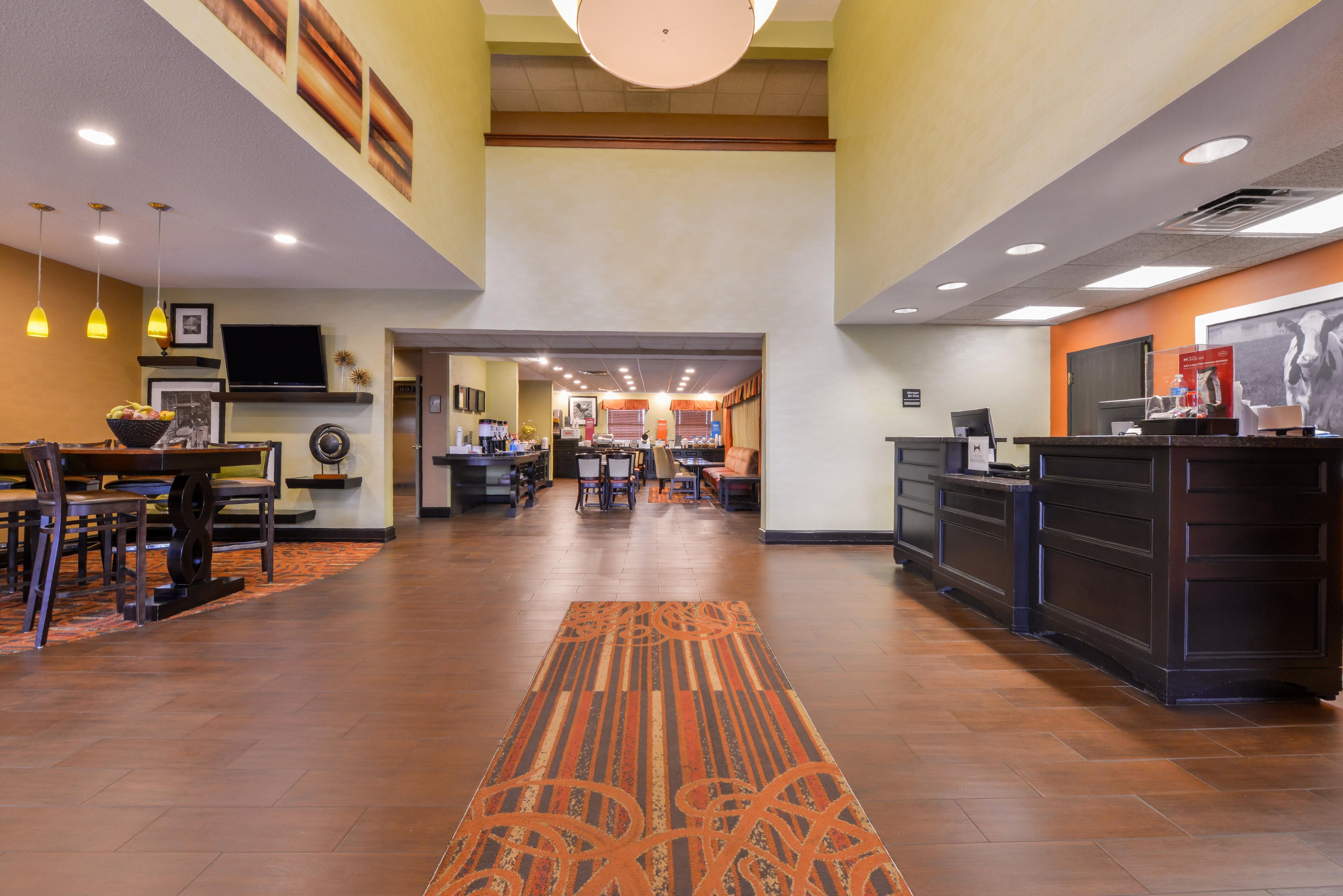 Hampton Inn Elkhart image 3