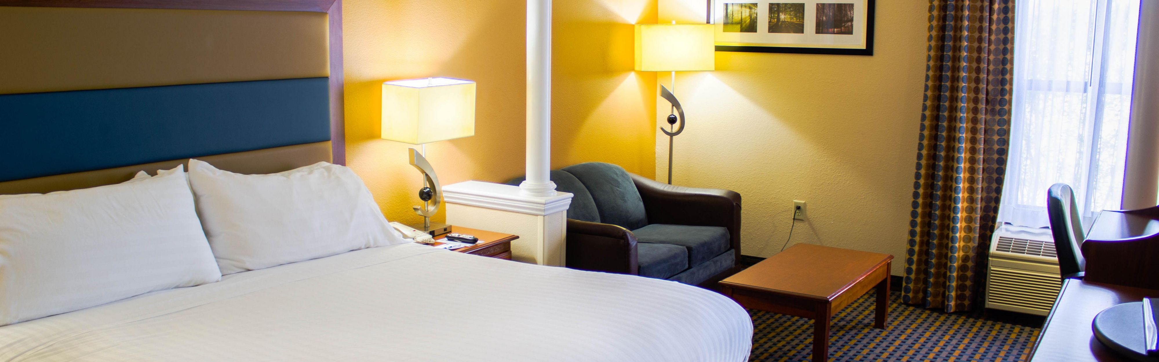 Holiday Inn Express & Suites Sanford image 1