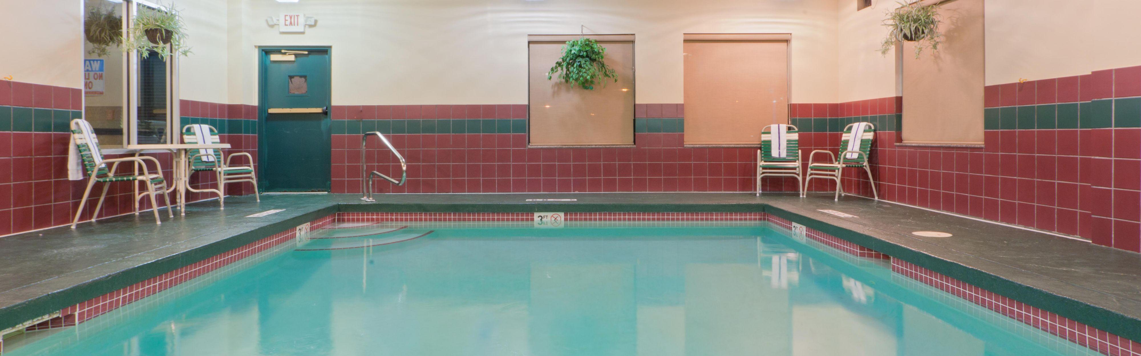 Holiday Inn Express Lordstown-Newton Falls/Warren image 2