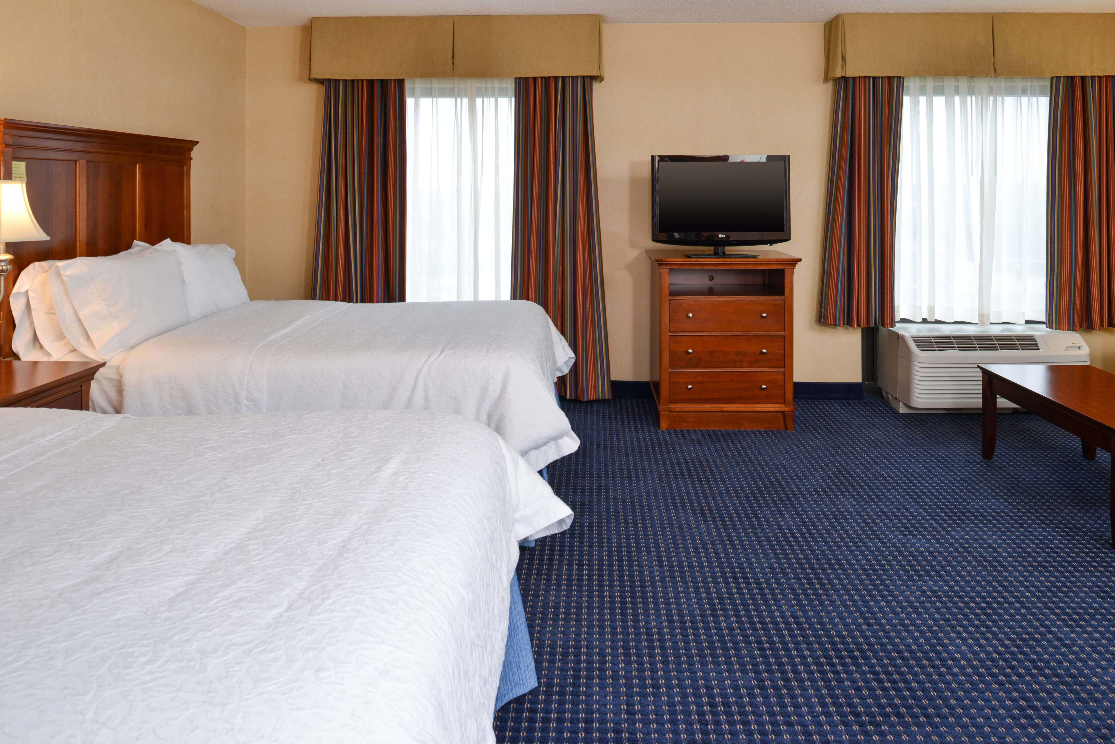 Hampton Inn & Suites Fredericksburg South image 38