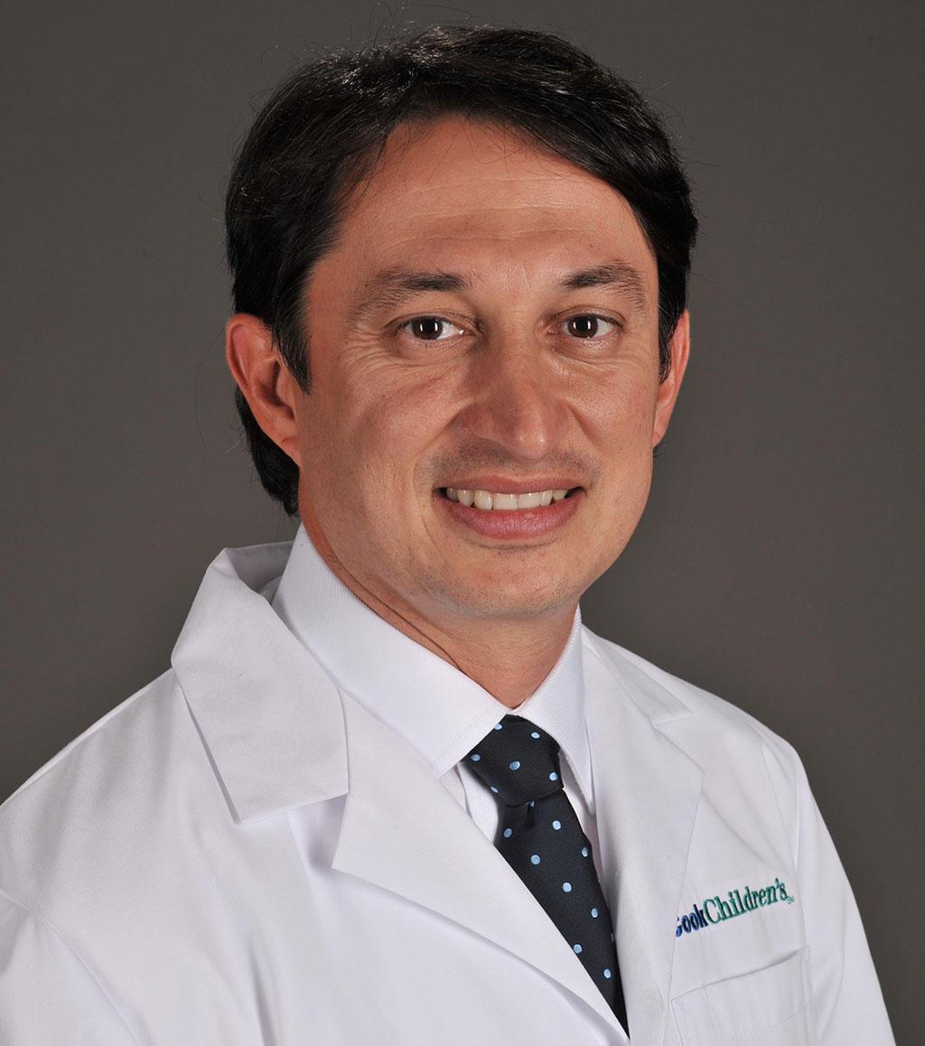 Headshot of Javier Gelvez