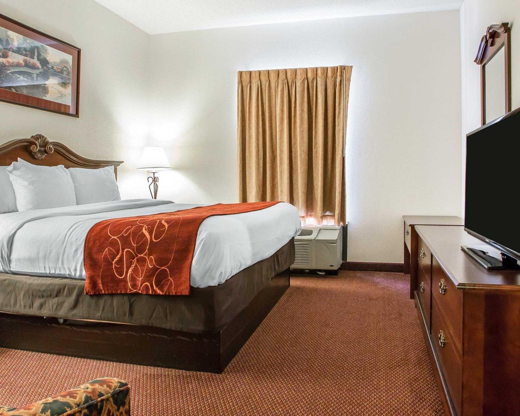 Comfort Suites Jefferson City image 21
