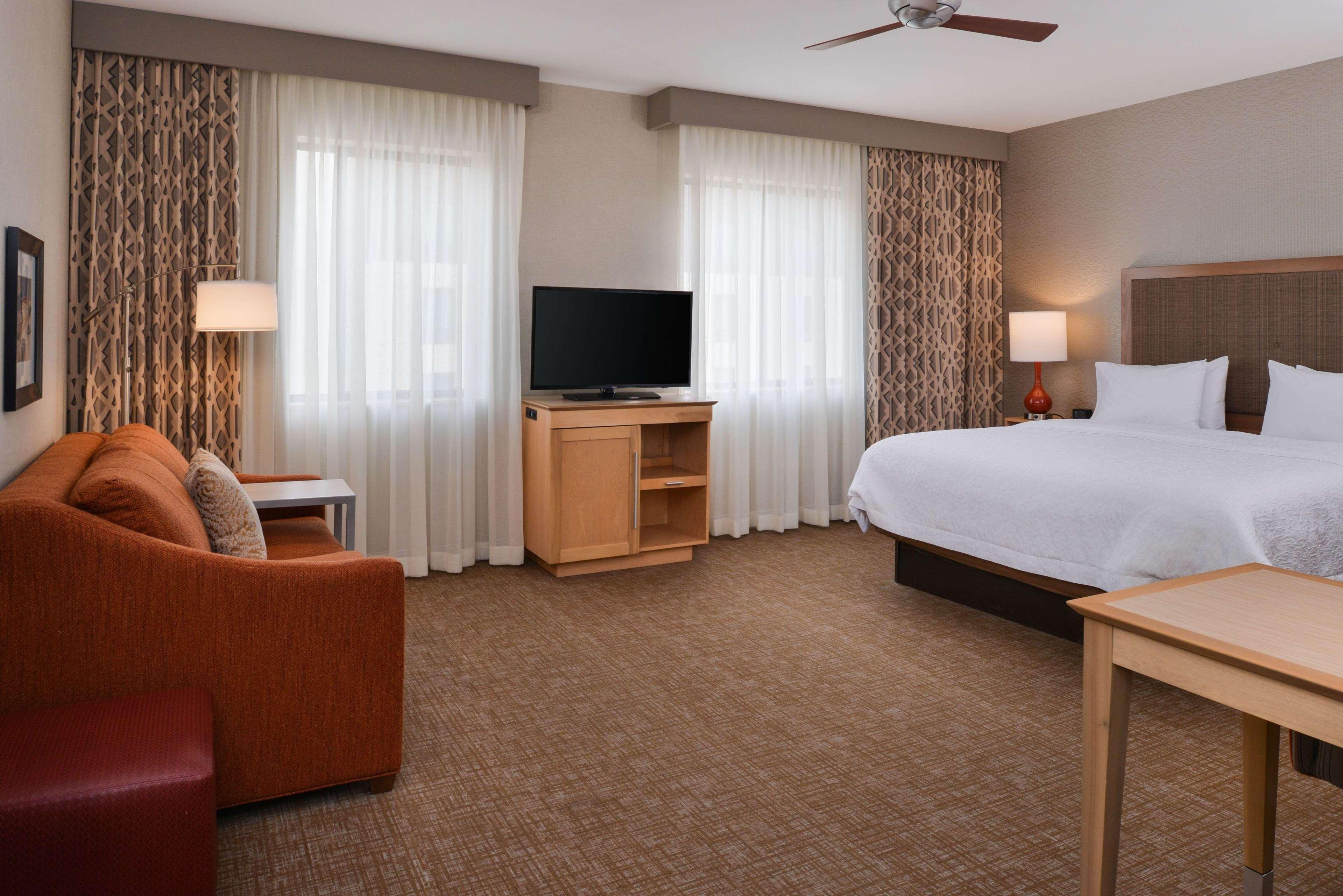 Hampton Inn & Suites Denver-Speer Boulevard image 24