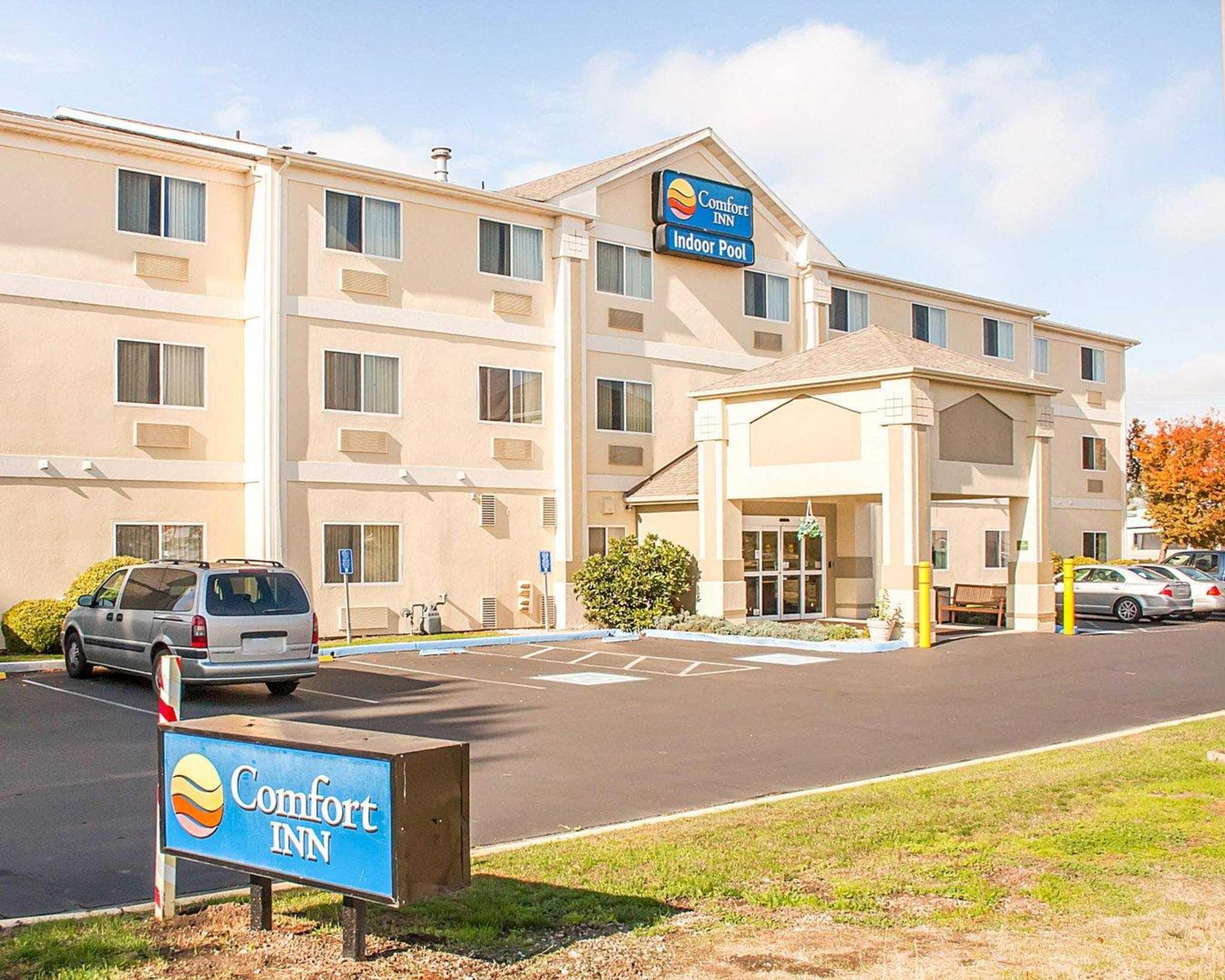Comfort Inn North image 3